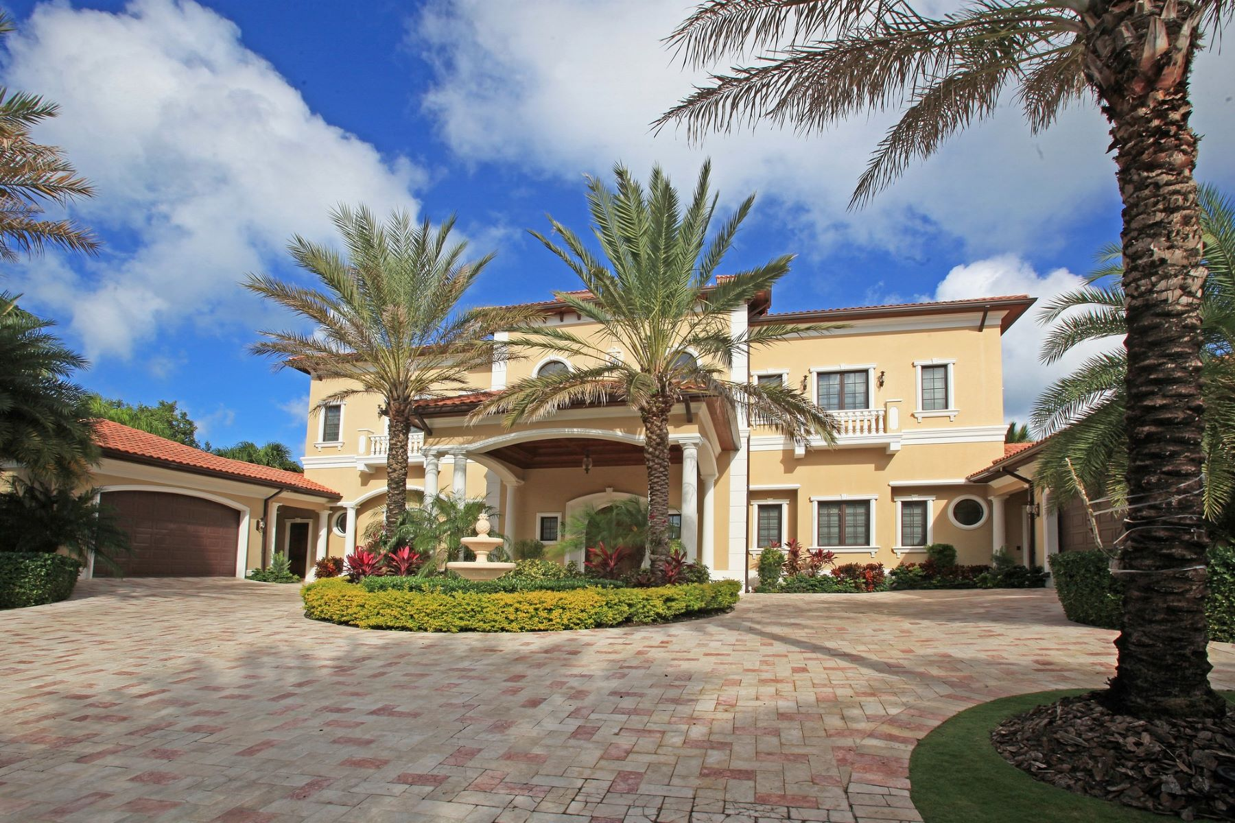 Single Family Home for Sale at Villa Belvedere Lyford Cay, Nassau And Paradise Island Bahamas