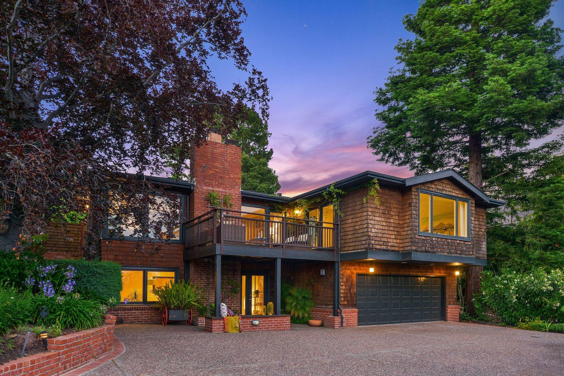 Single Family Homes por un Venta en Distinctive, Private, Mid-Century Home 6232 Estates Drive Oakland, California 94611 Estados Unidos