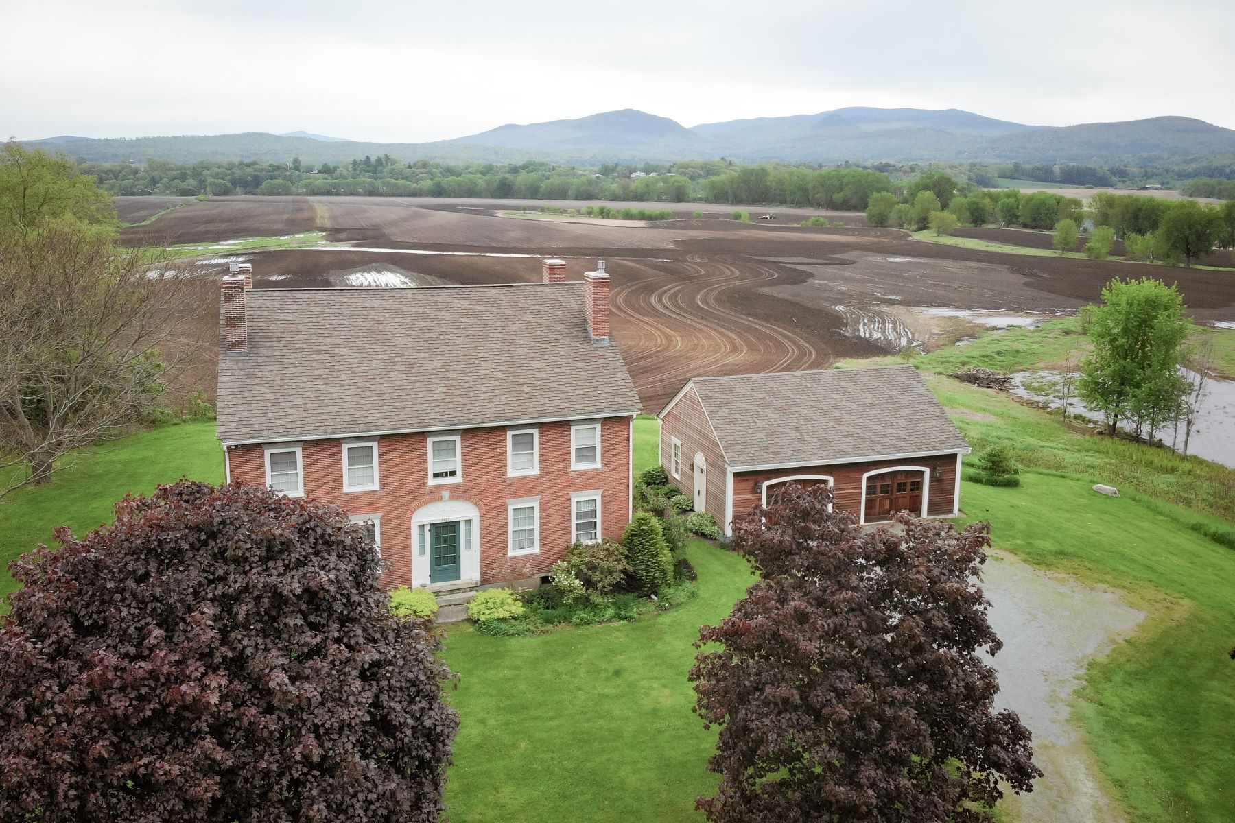 single family homes for Sale at Four Bedroom Colonial in Newbury 3961 Route 5 N Newbury, Vermont 05051 United States