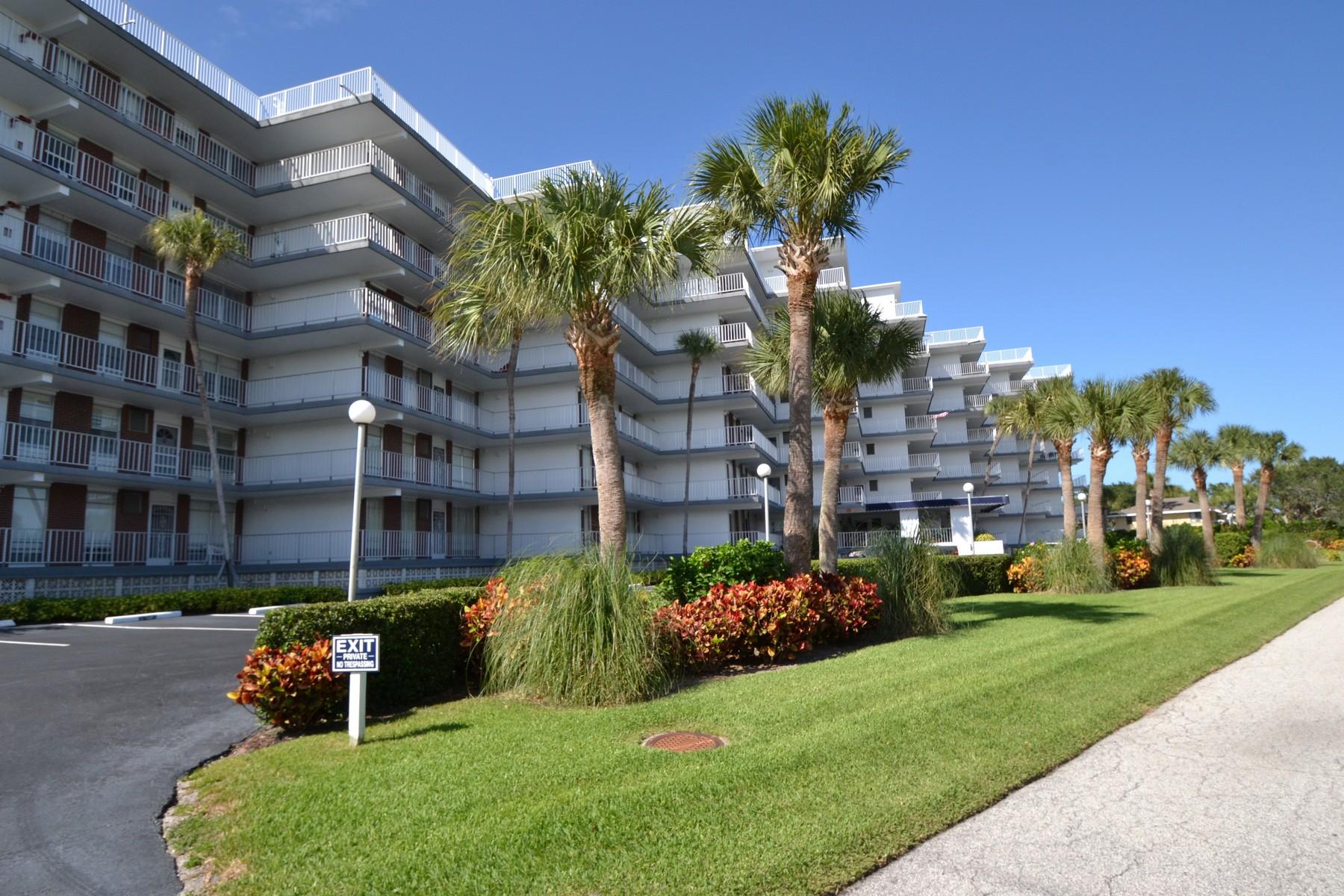 Only Blocks To The Beach! 935 E Causeway Blvd #205 Vero Beach, Florida 32963 Estados Unidos