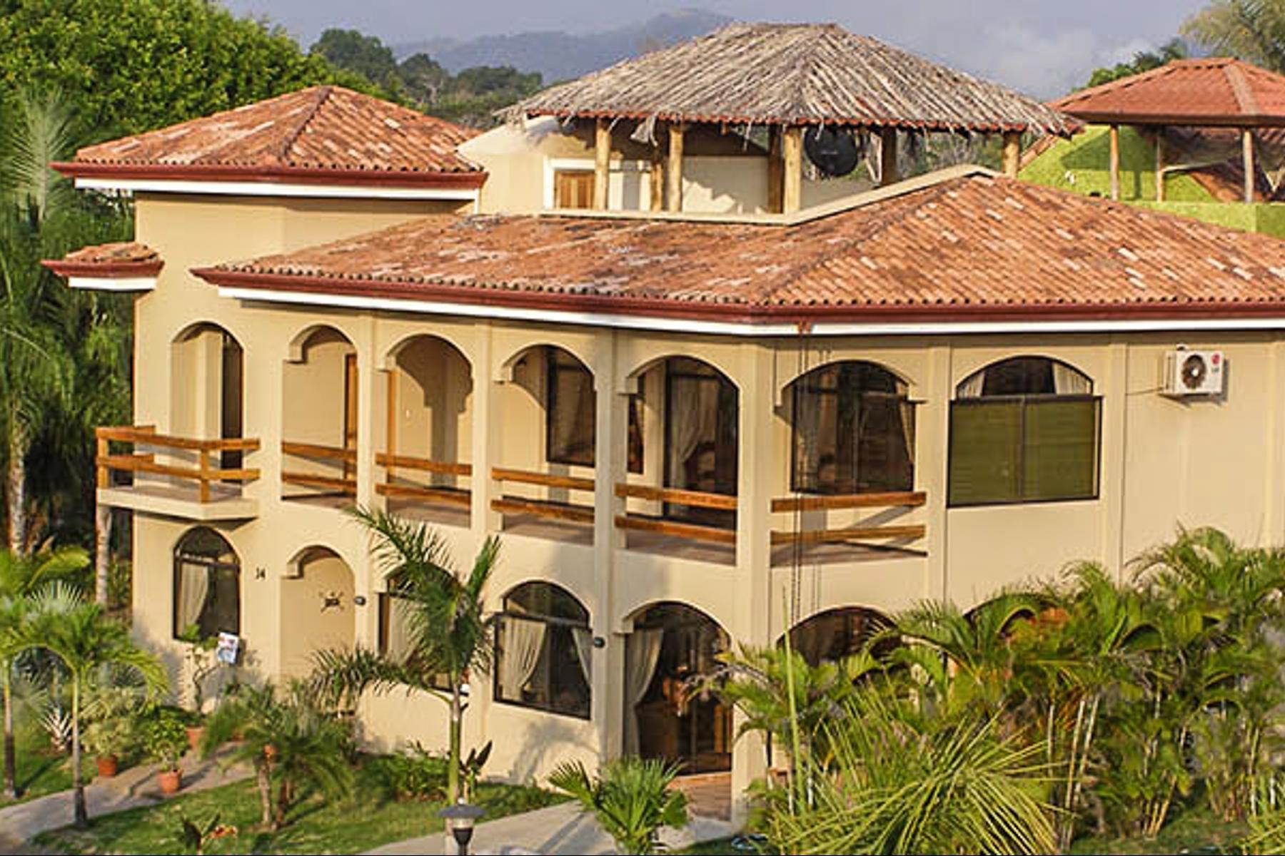 Single Family Homes 용 매매 에 Playa Hermosa Direct Beach Access Playa Hermosa, 과나카스테주 코스타리카