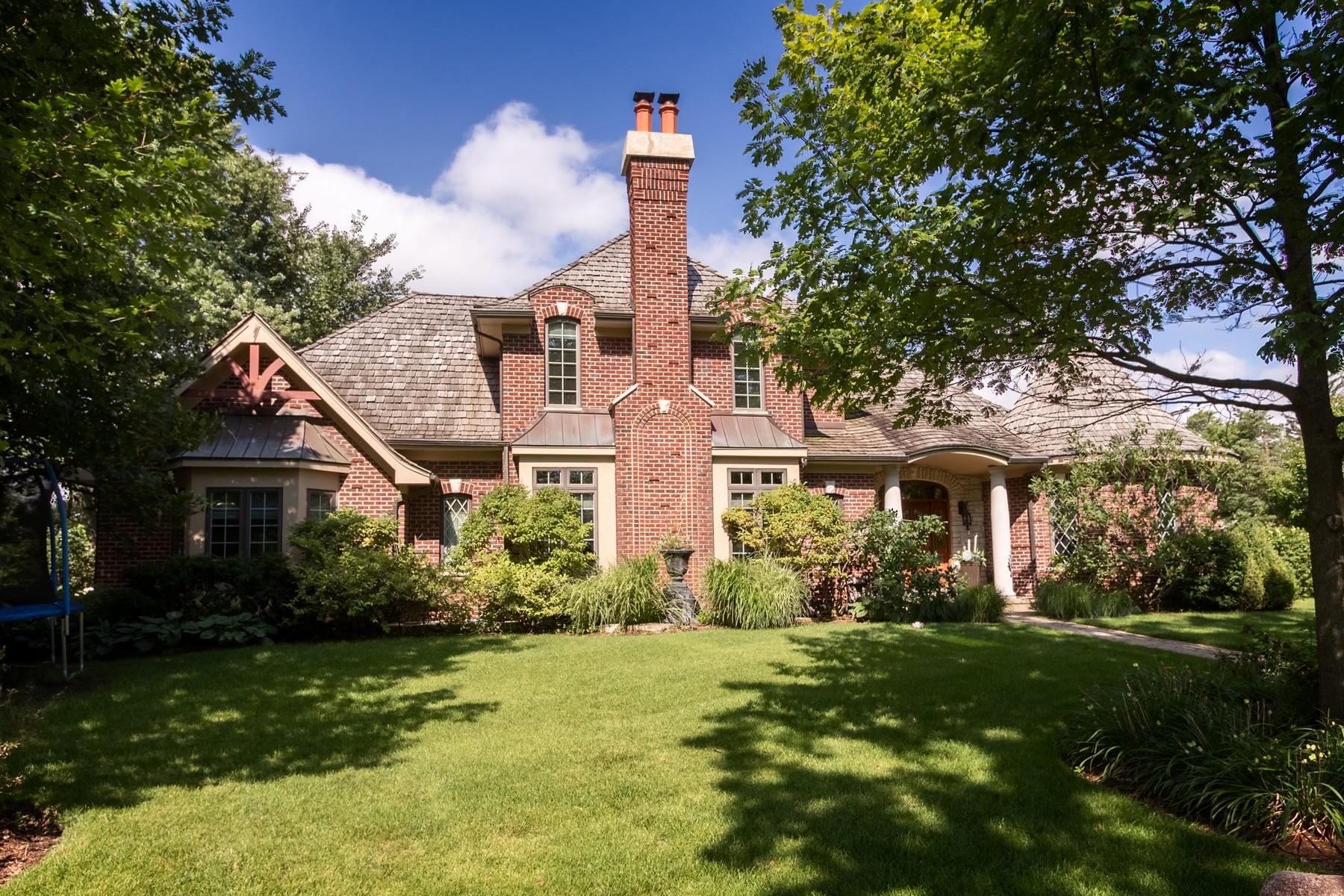 Частный односемейный дом для того Продажа на Spectacular Glen Oak Acres Home 1550 Hawthorne Lane Glenview, Иллинойс 60025 Соединенные Штаты