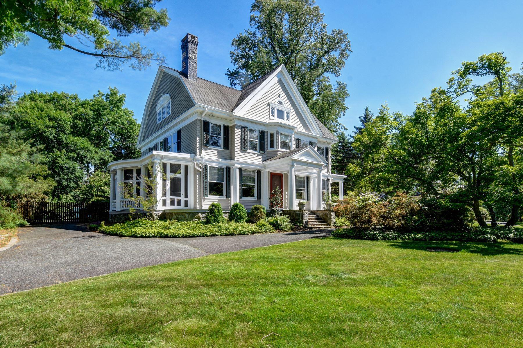 single family homes pour l Vente à Gorgeous Queen Anne Revival 43 Crescent Road, Madison, New Jersey 07940 États-Unis