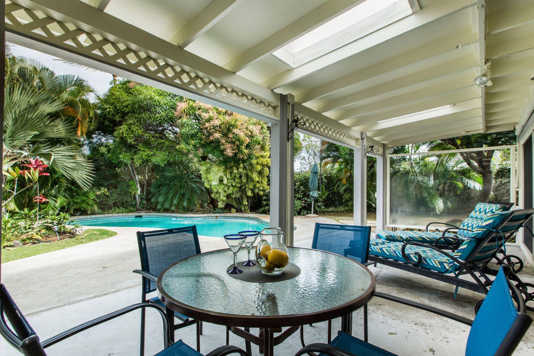 Maison unifamiliale pour l Vente à Island Style Living at Its Best 58 Lawai Street Triangle, Honolulu, Hawaii, 96825 États-Unis
