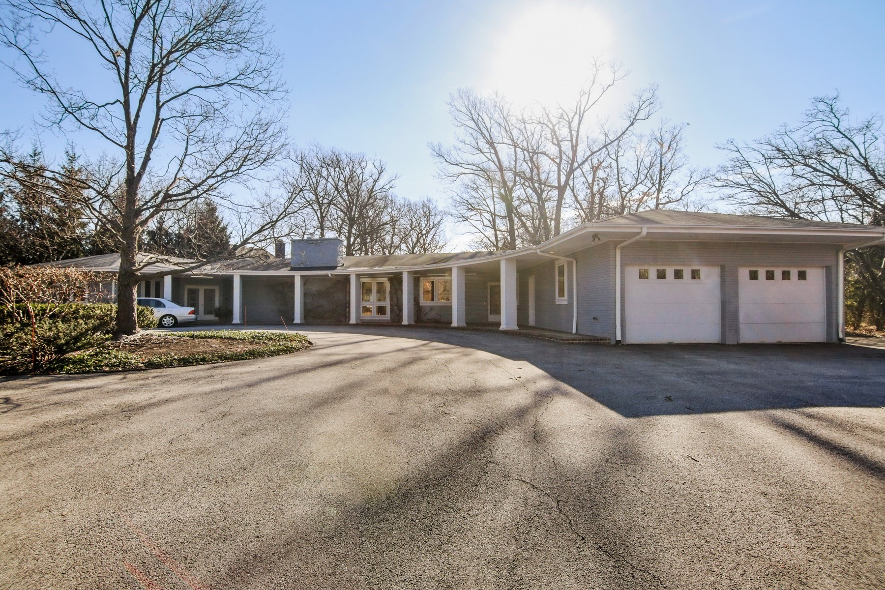 Single Family Home for Sale at Elegant Ranch in Highland Park 1446 Waverly Road Highland, Illinois 60035 United States