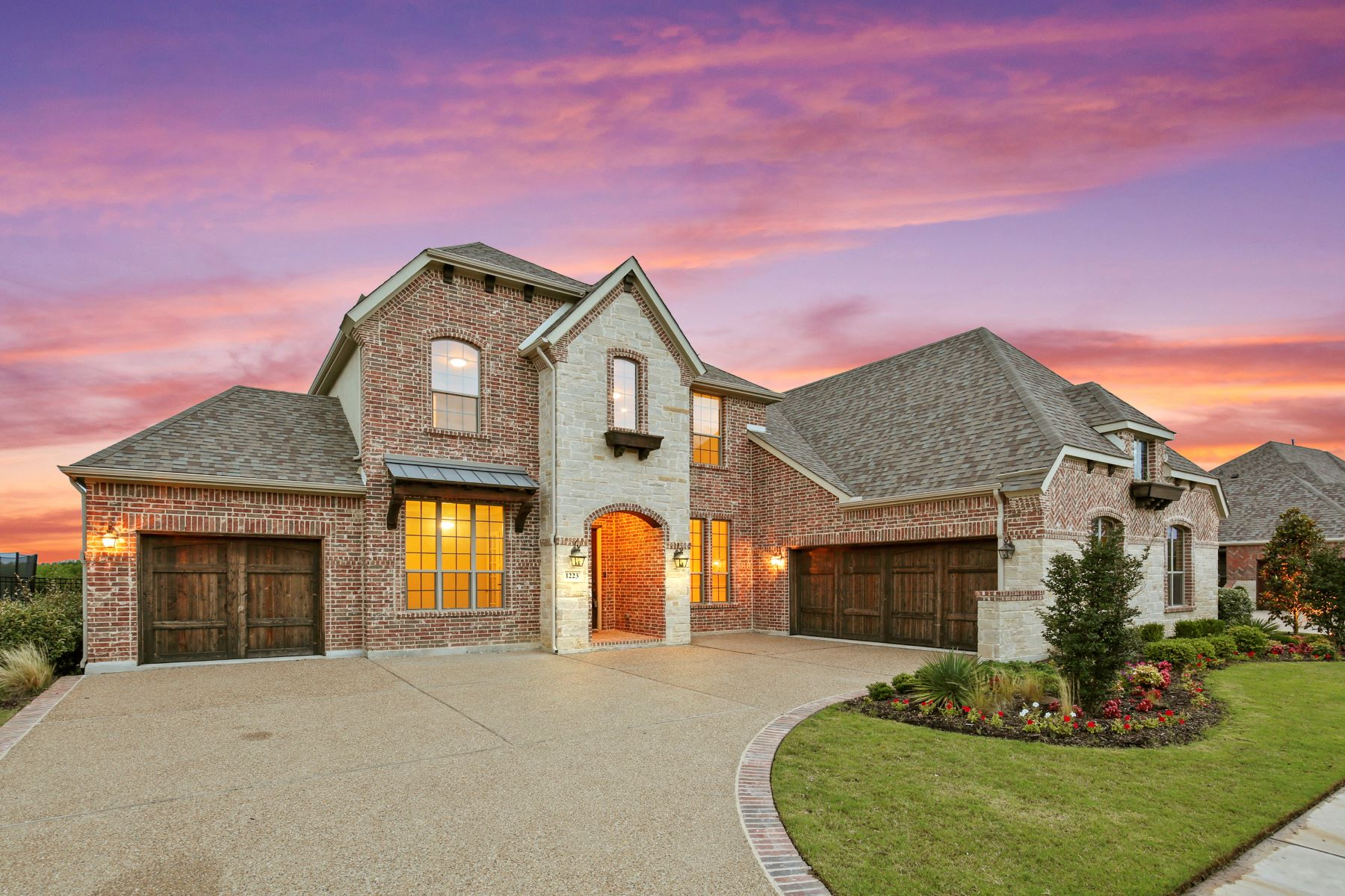 Single Family Homes for Sale at Location, Tranquility and Luxury Living 1223 Blue Lake Boulevard Arlington, Texas 76005 United States