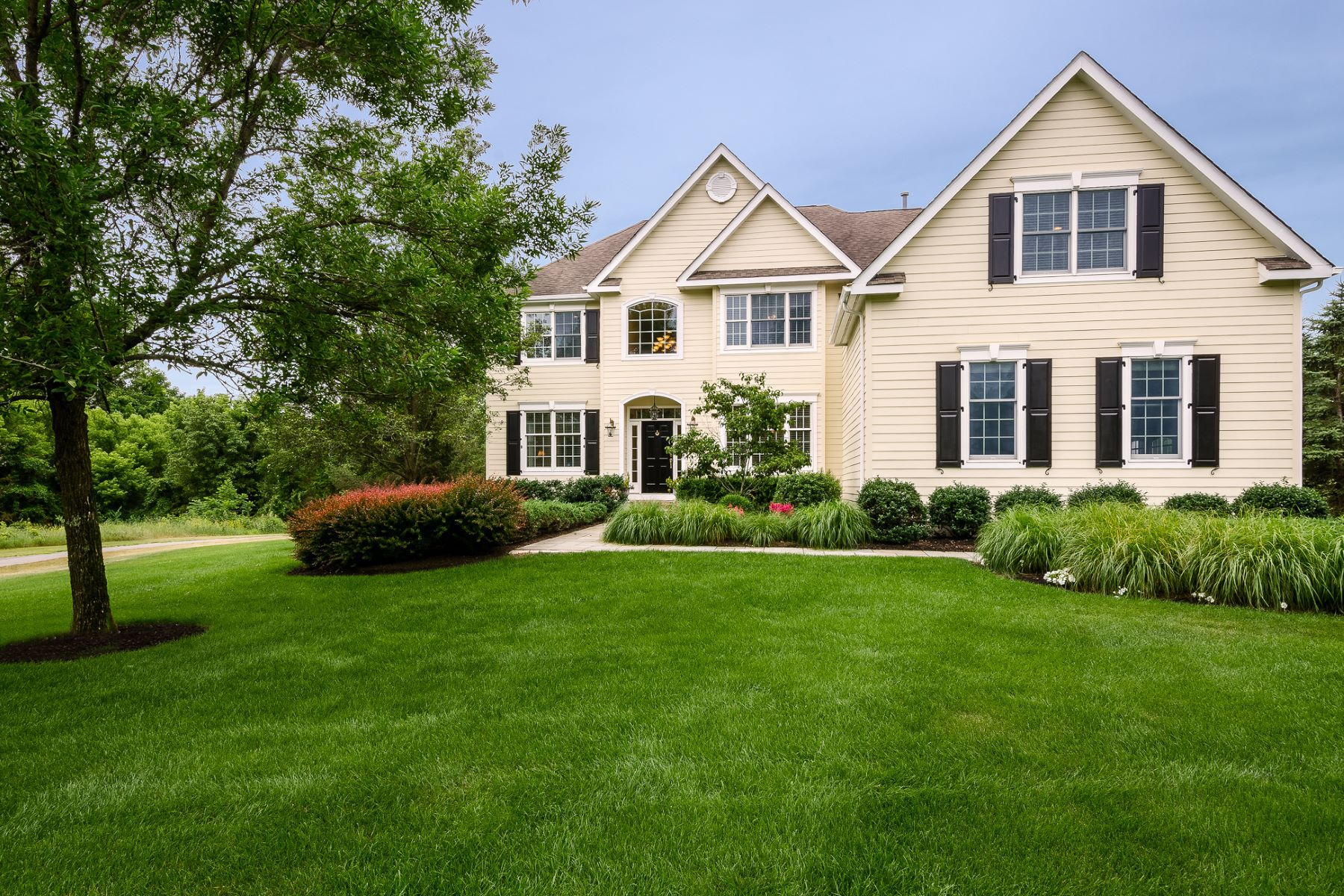 Single Family Home for Sale at Leisure At Your Fingertips 5 Prairie Dunes Court, Skillman, New Jersey 08558 United StatesMunicipality: Montgomery Township