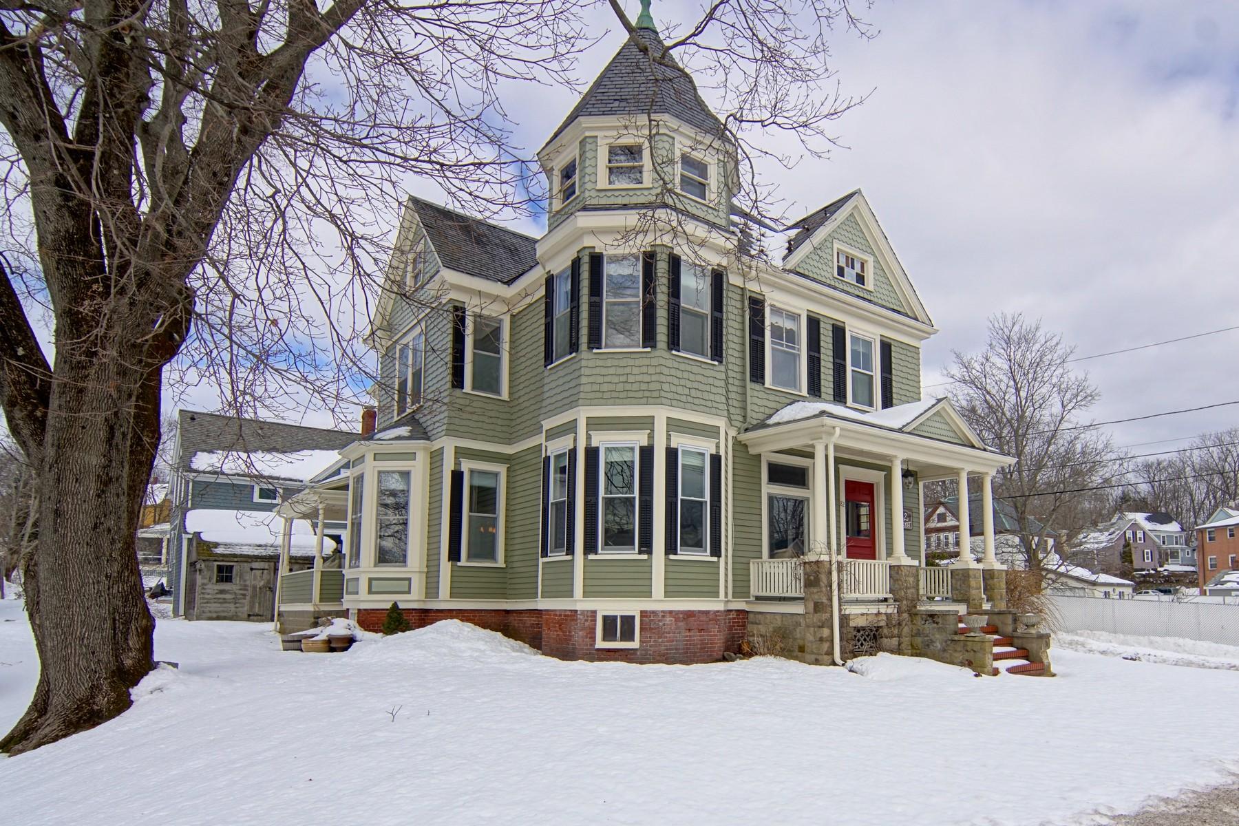 Enfamiljshus för Försäljning vid Beautifully Restored 82 Market Street Amesbury, Massachusetts 01913 Usa