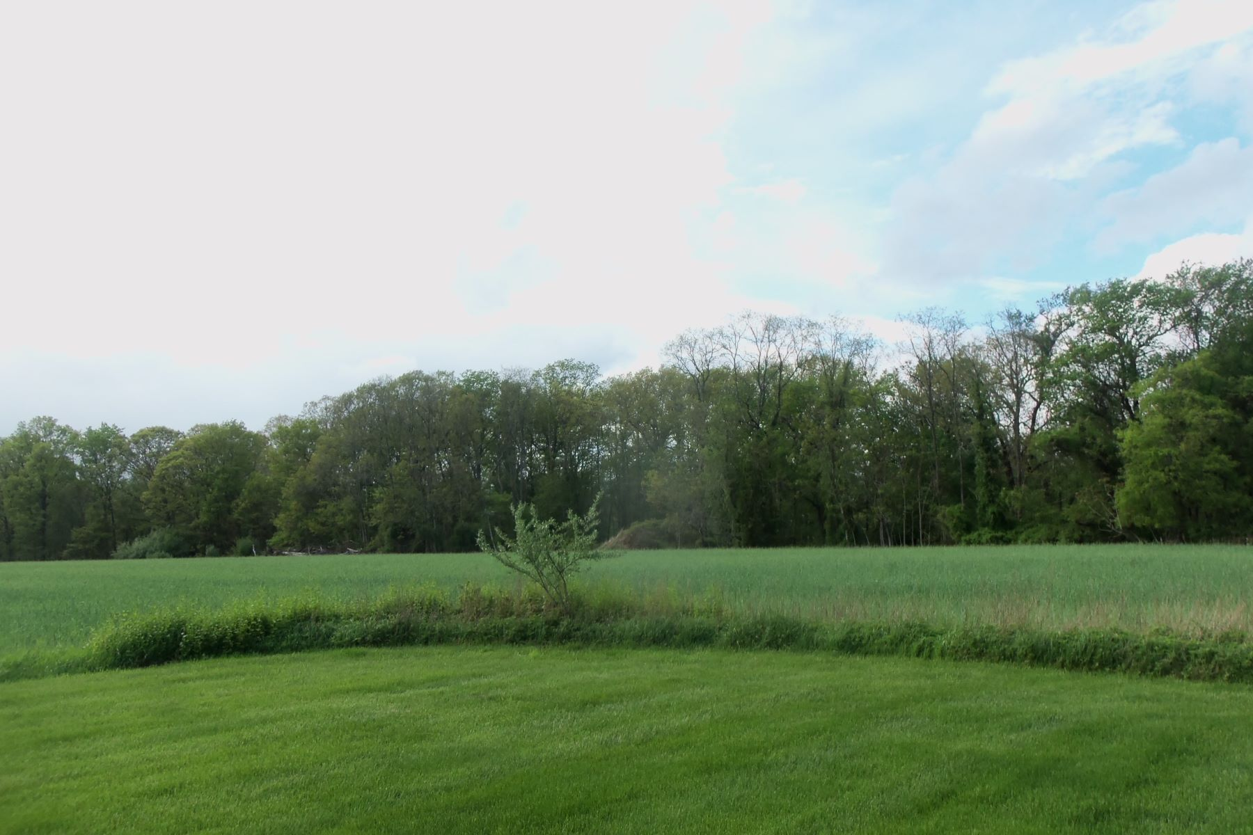 Additional photo for property listing at Future Site Bordering Colts Neck 0 Yellowbrook Rd Marlboro, New Jersey 07746 United States