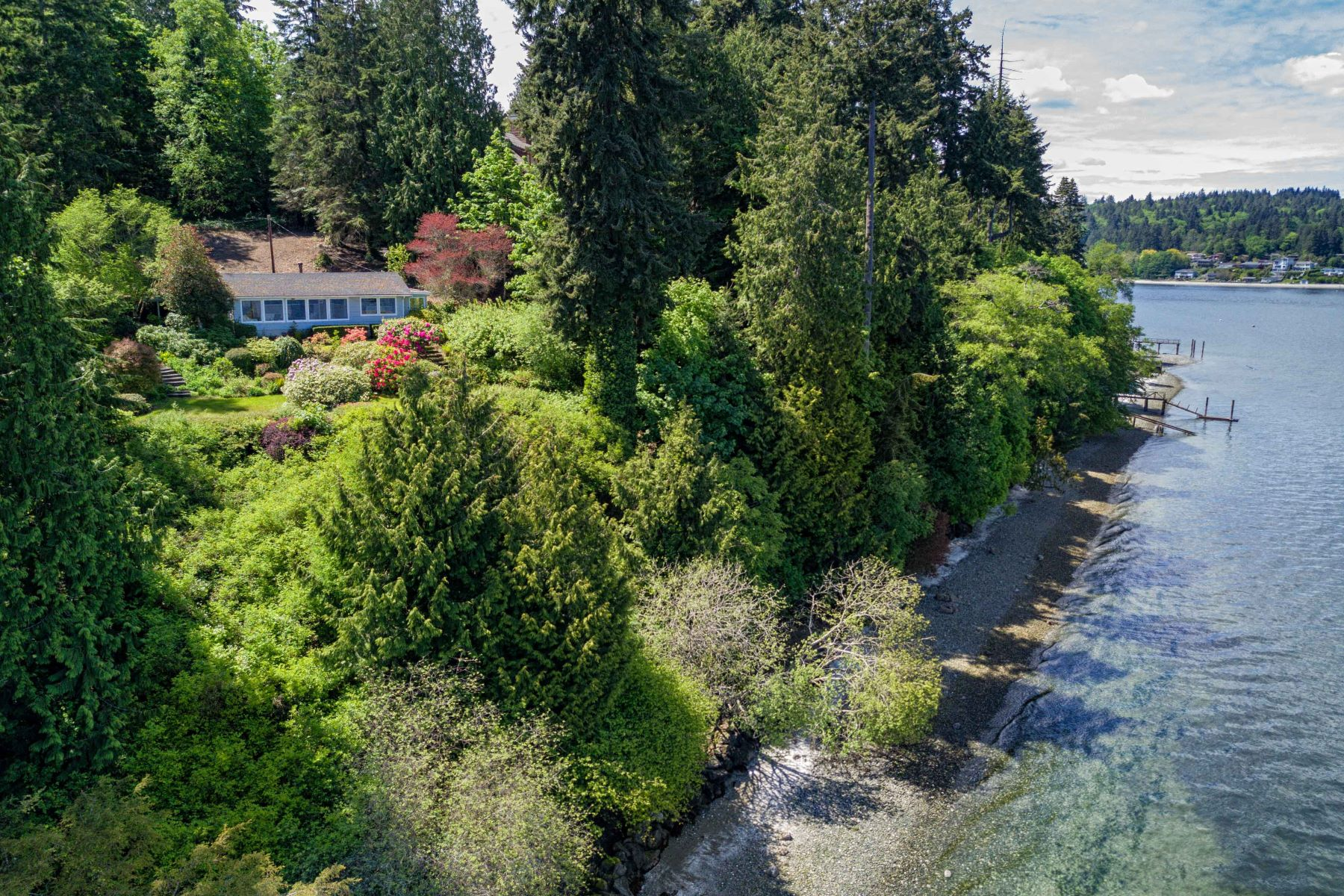 獨棟家庭住宅 為 出售 在 Private Waterfront Retreat 7724 NE North St Bainbridge Island, 華盛頓州, 98110 美國