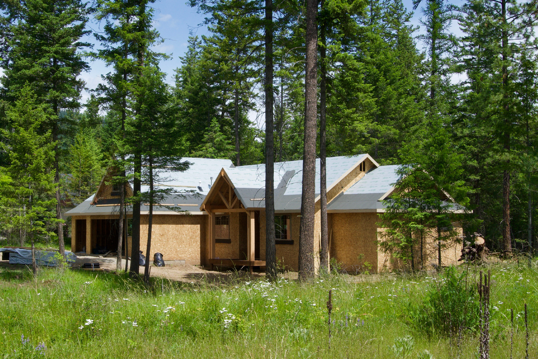 Single Family Homes for Sale at Whispering Pines Custom 93 Quiet Pl Moyie Springs, Idaho 83845 United States
