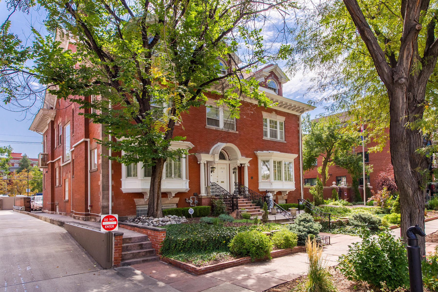 Additional photo for property listing at Historic Denver Landmark! 1350 n Logan Street Denver, Colorado 80203 United States