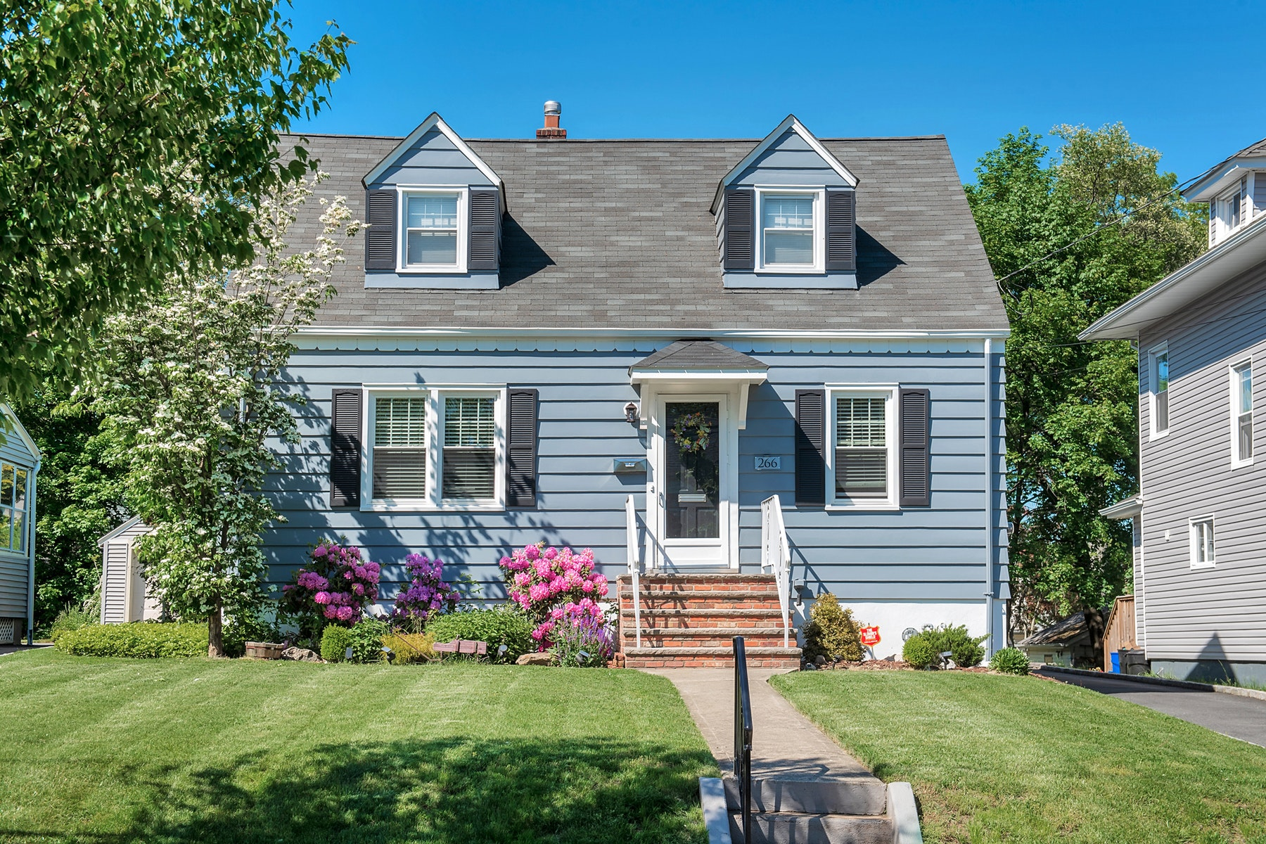 Single Family Homes for Sale at Charming Cape Cod 266 Linden Avenue Verona, New Jersey 07044 United States