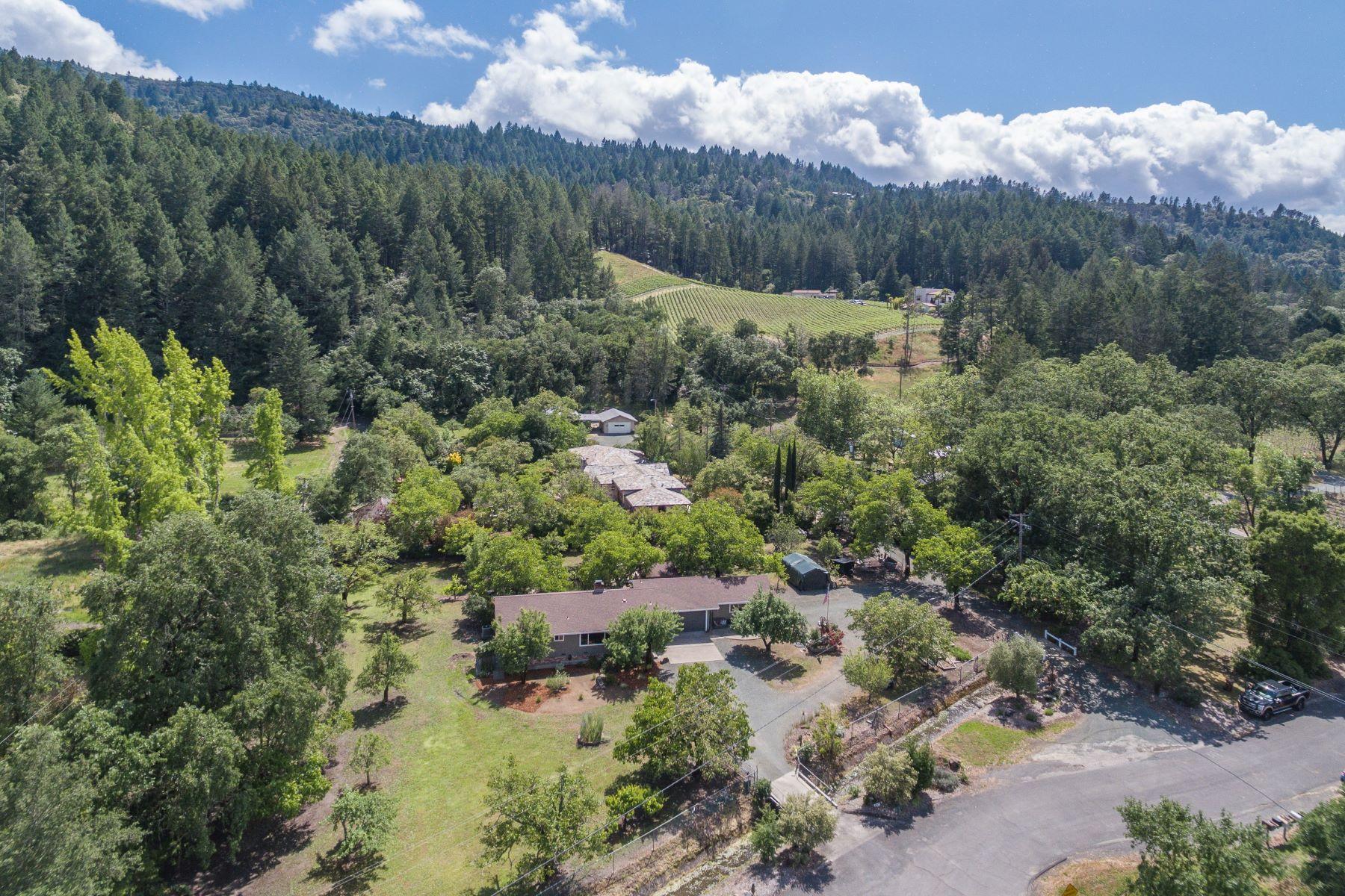 Single Family Homes para Venda às Calistoga Farmhouse on 1 Level Acre 4395 Scott Way, Calistoga, Califórnia 94515 Estados Unidos