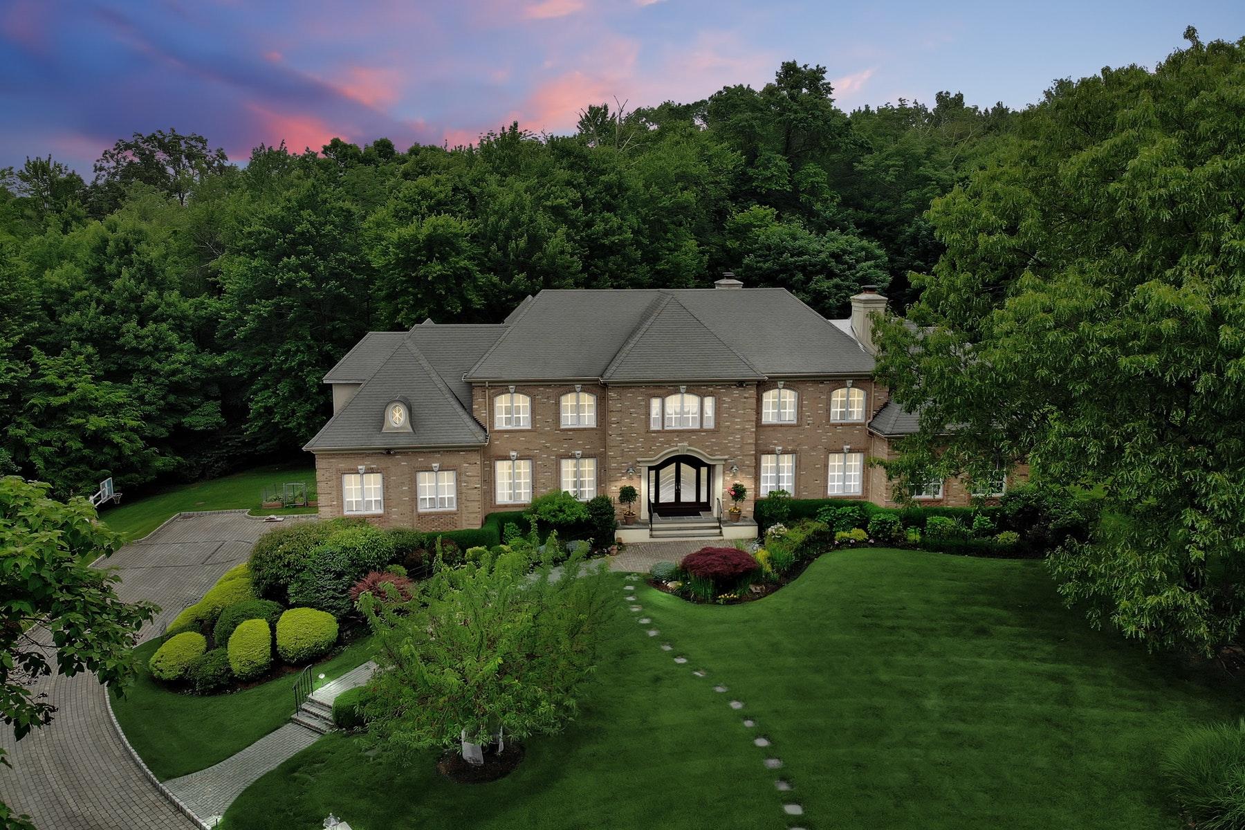 Single Family Homes por un Venta en Ultimate Privacy on Premier Cul de Sac 774 Jenny Trail, Franklin Lakes, Nueva Jersey 07417 Estados Unidos
