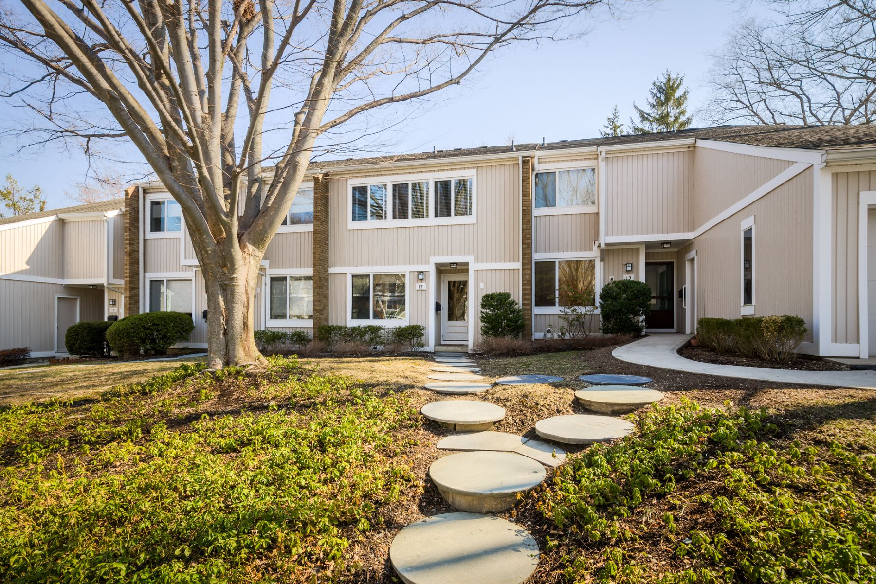 townhouses for Rent at Stunning 2 Bedroom Queenston Commons for Rent! 17 Gordon Way Princeton, New Jersey 08540 United States