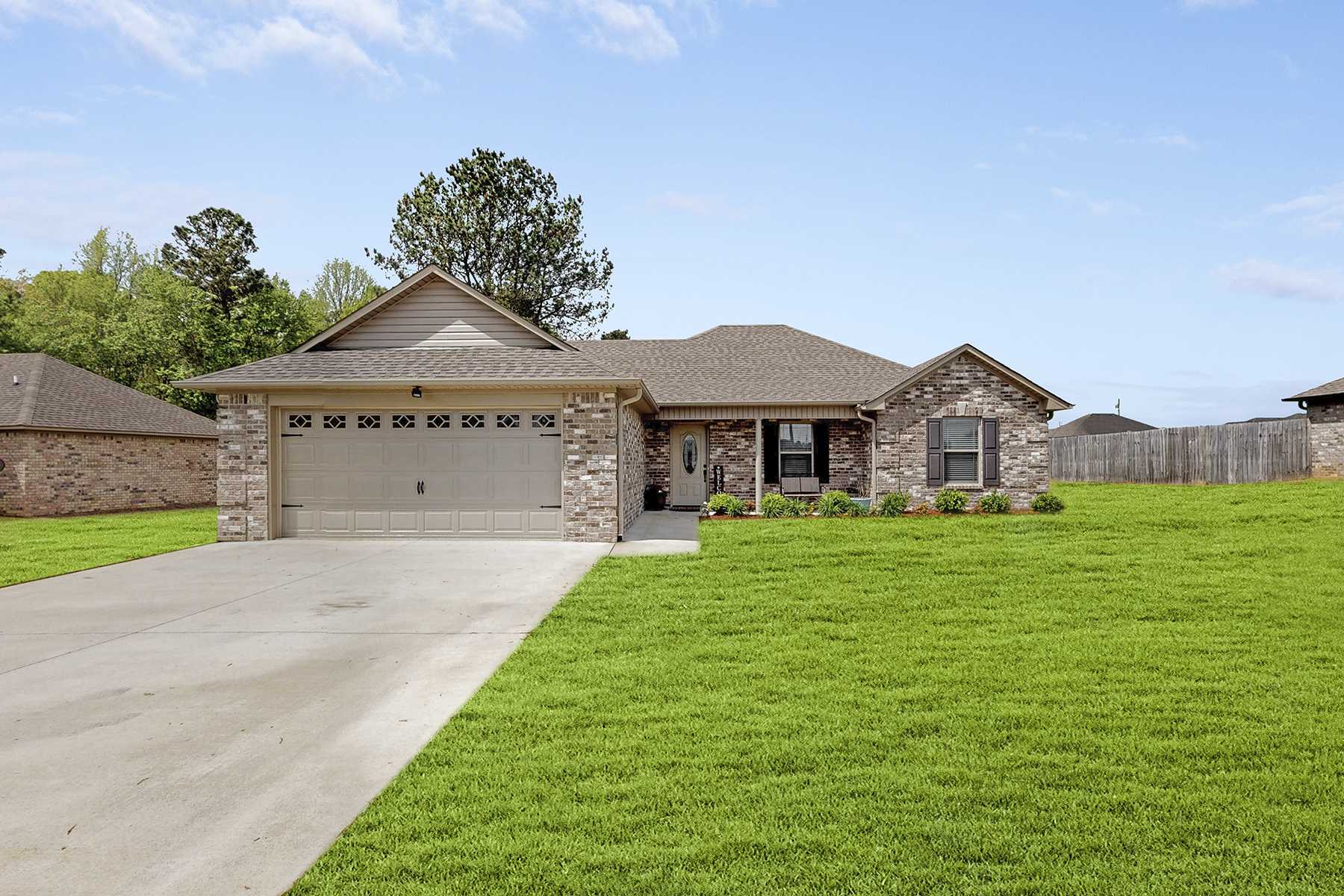 Single Family Home for Active at 18181 East Limestone Road Athens, Alabama 35613 United States