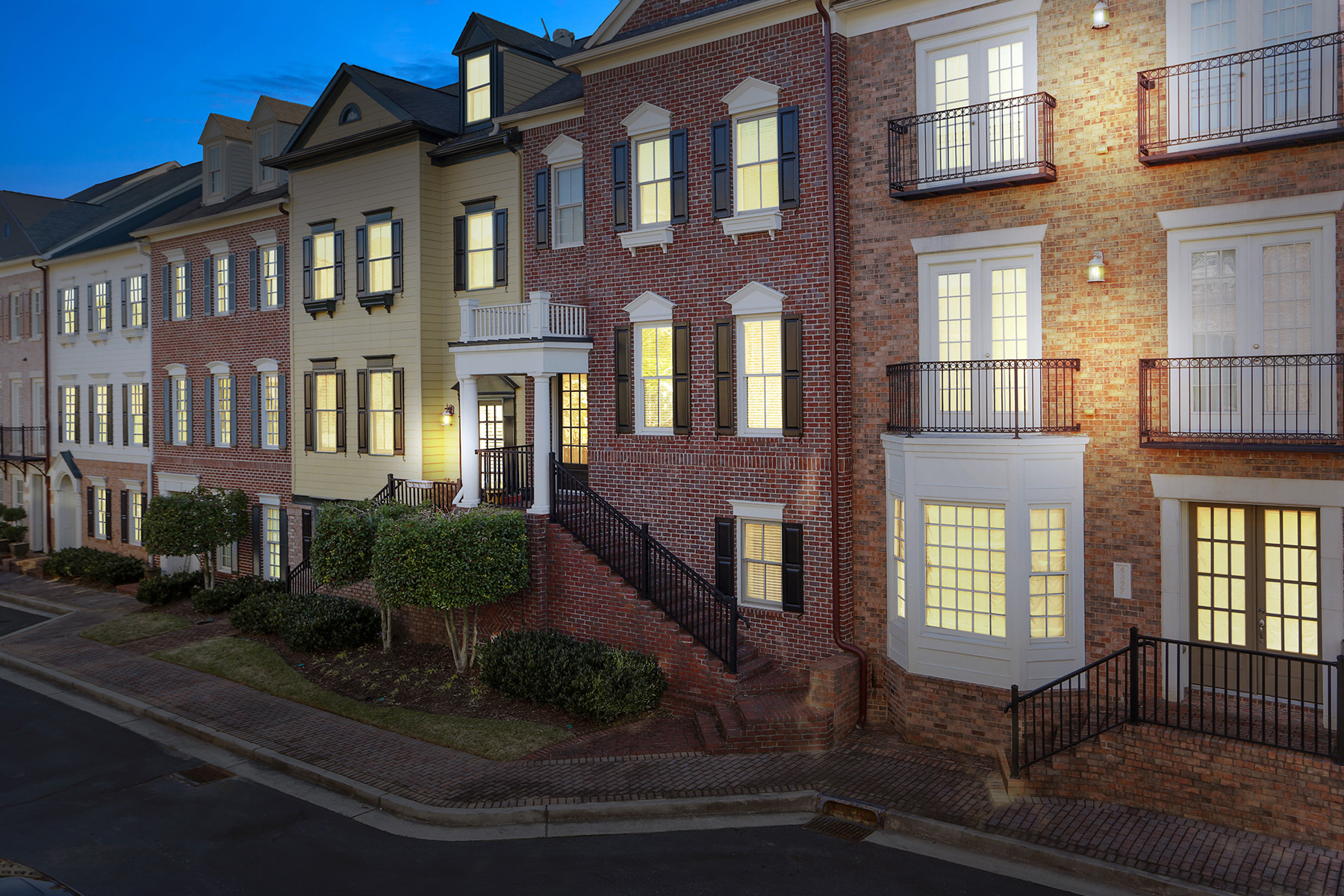Townhouse for Rent at Exclusive One Ivy Walk 4395 Bridgehaven Drive SE #7 Smyrna, Georgia 30080 United States