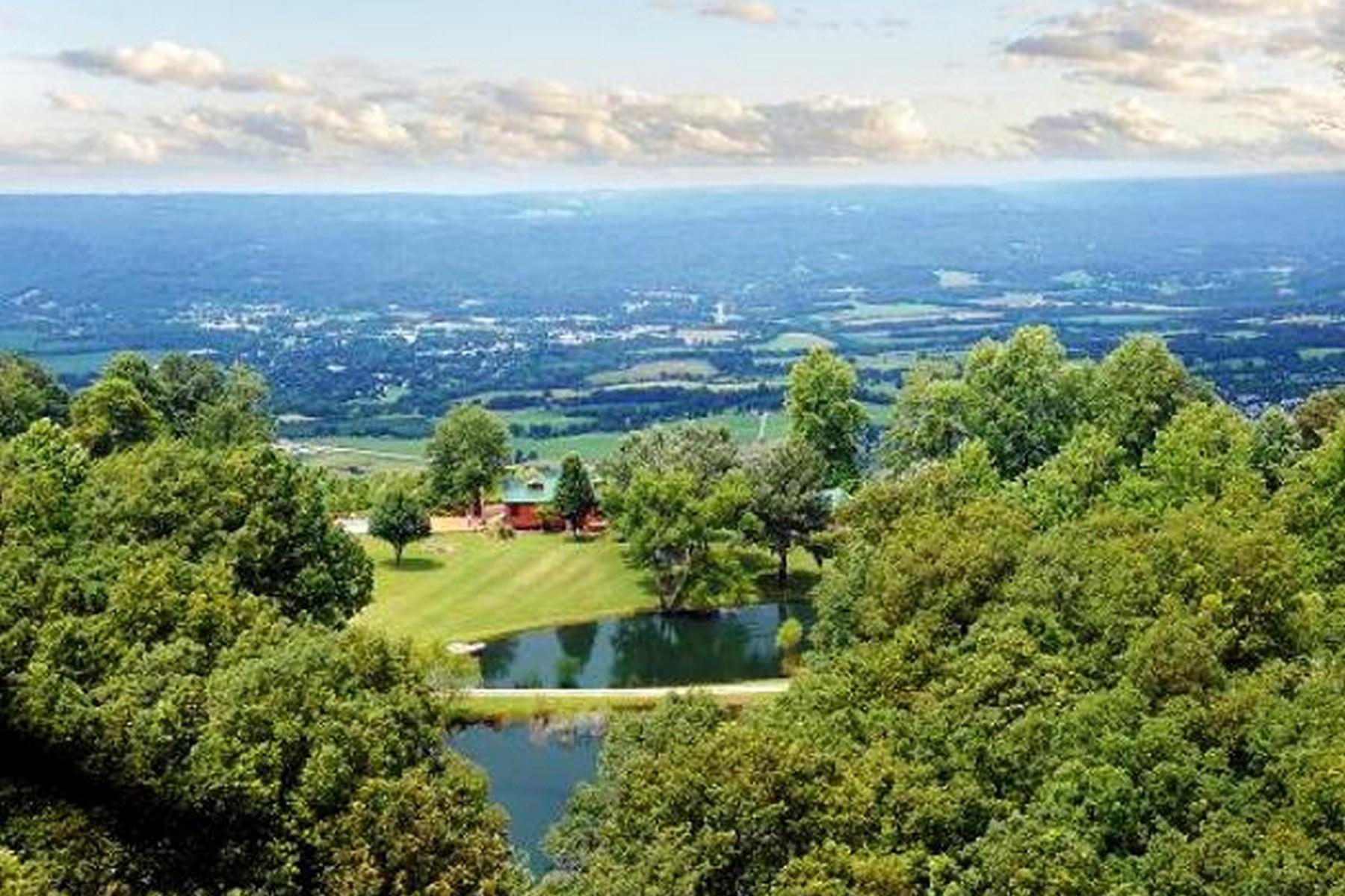 Casa Unifamiliar por un Venta en Expansive East Tennessee Views! 1125 Rigsby Gap Road, Pikeville, Tennessee, 37367 Estados Unidos
