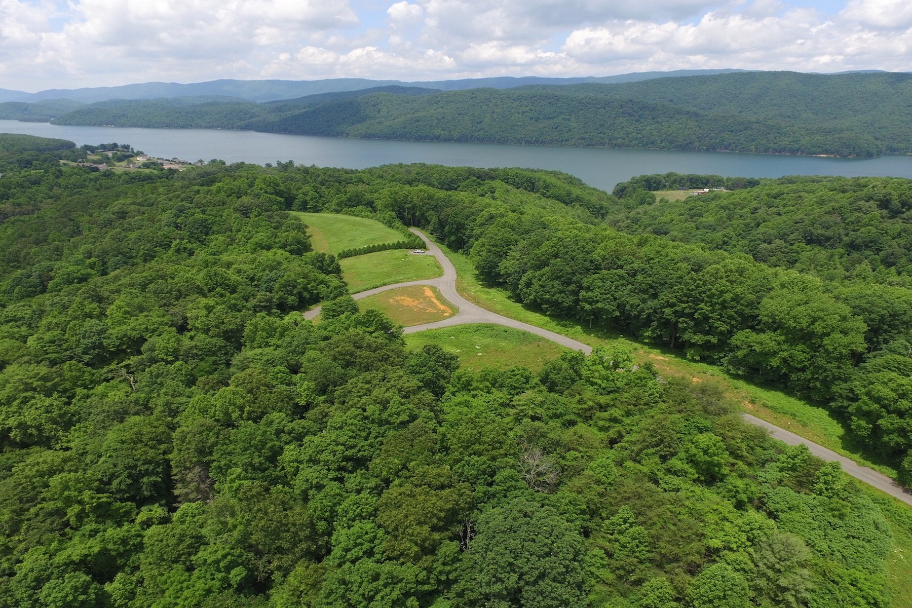 Additional photo for property listing at The Ridge at Watauga Lake Dry Hill Road Butler, Теннесси 37640 Соединенные Штаты
