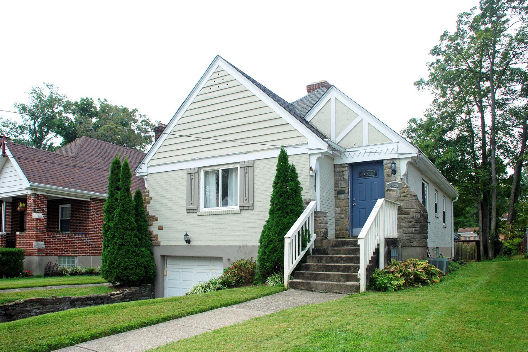 Casa Unifamiliar por un Venta en Delightful Cape Cod home 3939 Holmar Cir Silverton, Ohio 45236 Estados Unidos