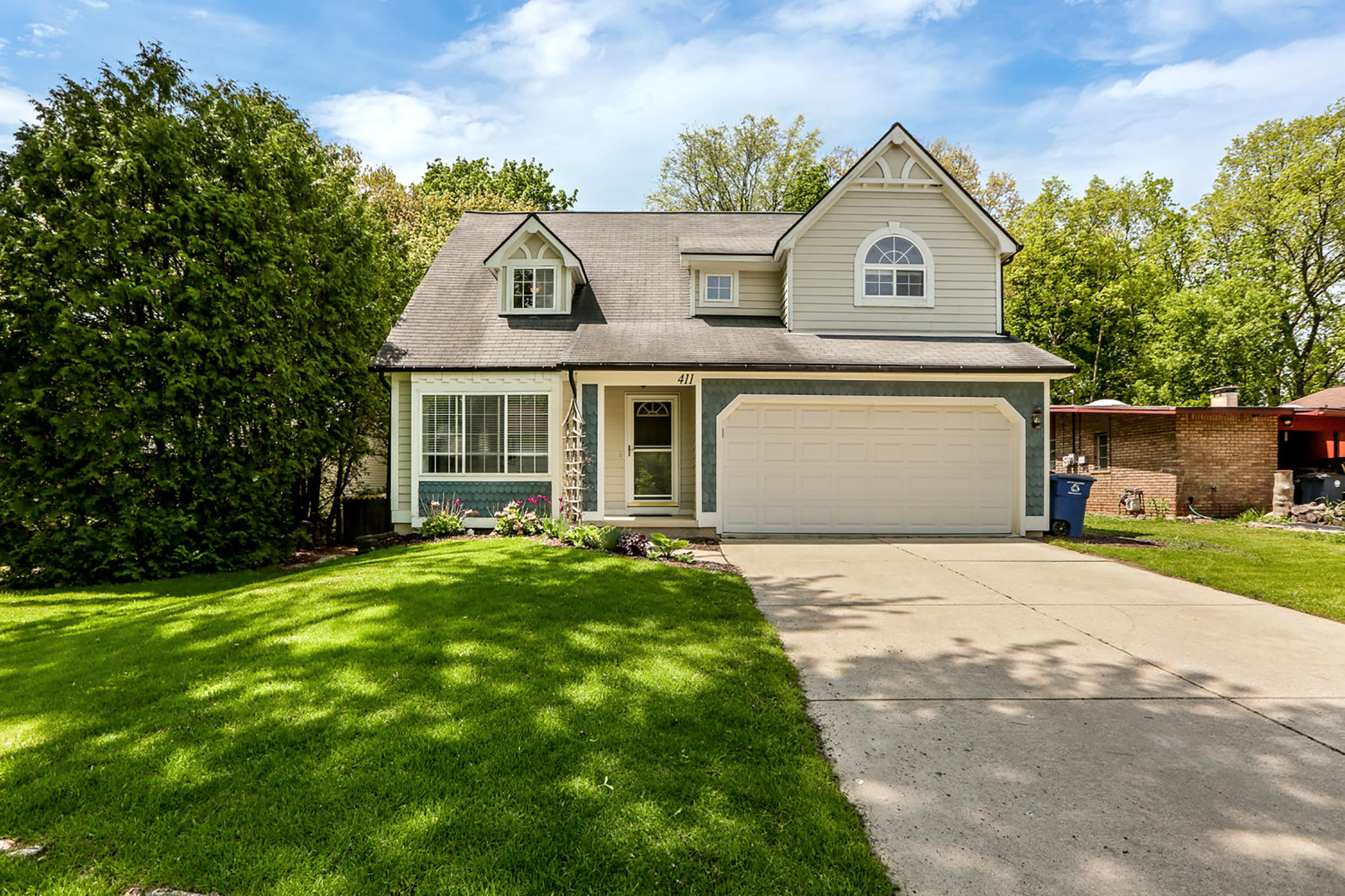 Single Family Homes for Sale at Ann Arbor 411 Evergreen Drive Ann Arbor, Michigan 48103 United States