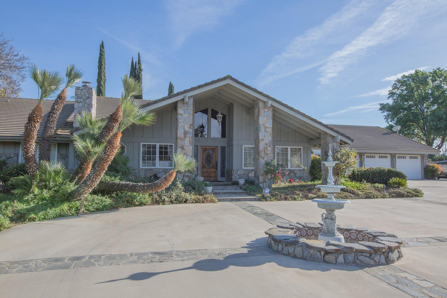 Ферма / ранчо / плантация для того Продажа на 8690 Victoria Ave. Riverside, Калифорния, 92504 Соединенные Штаты