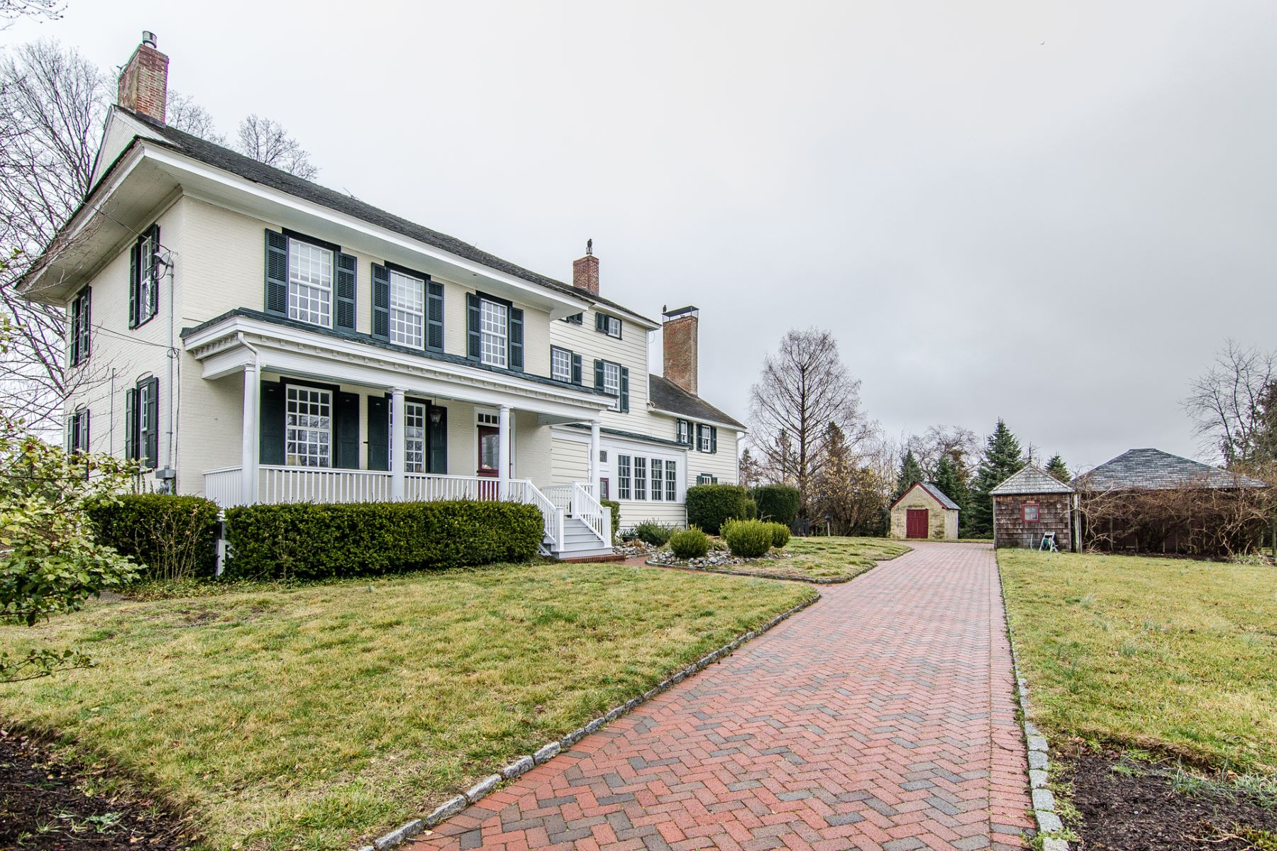 Single Family Home for Sale at Capturing the Spirit of Old and New in Cream Ridge - Upper Freehold Township 3 Wygant Road Cream Ridge, New Jersey, 08514 United States