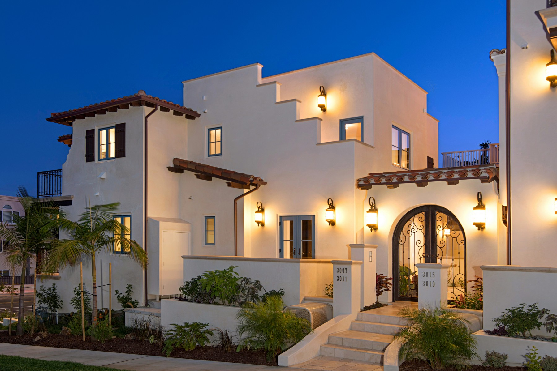 Townhouse for Sale at 3007 Lawrence Street La Playa, San Diego, California, 92106 United States