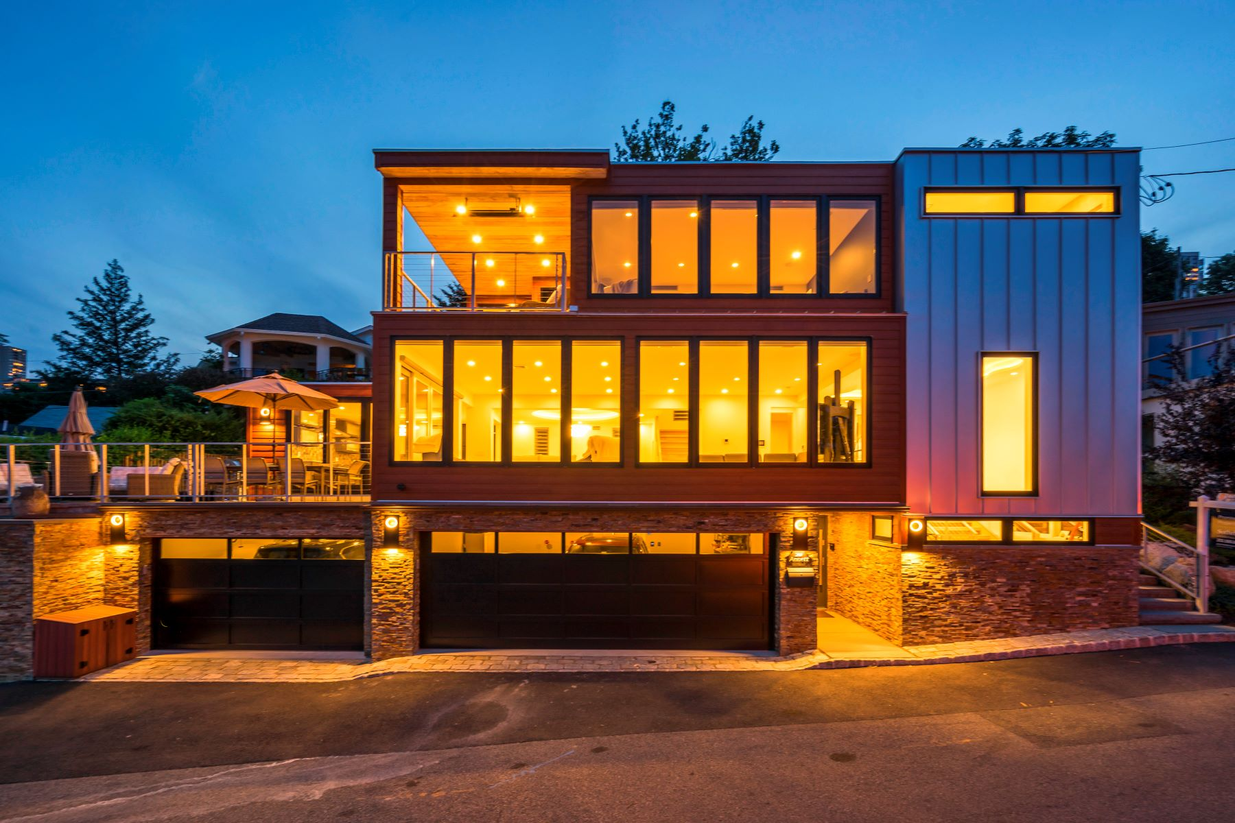 Société civile immobilière pour l Vente à An Architectural Masterpiece on the Hudson 20 Annett Ave Edgewater, New Jersey 07020 États-Unis