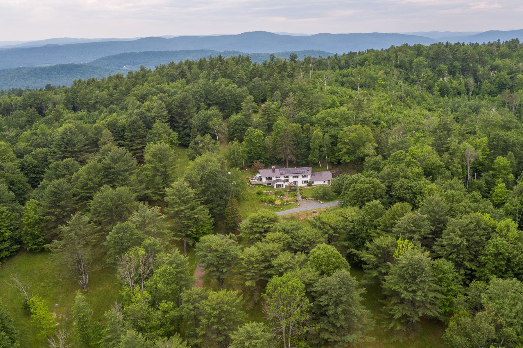 Single Family Homes for Sale at 83 Franklin Hill Road, Lyme 83 Franklin Hill Rd Lyme, New Hampshire 03768 United States