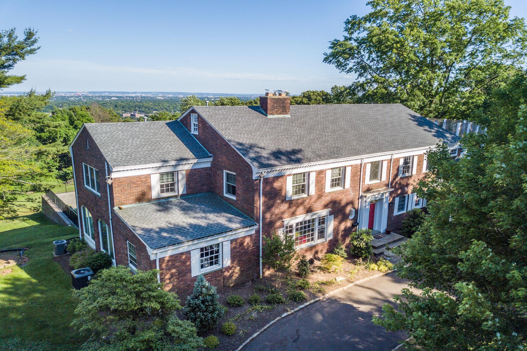 Single Family Homes için Satış at One-of-a-Kind Georgian Colonial 70 Rock Spring Road, West Orange, New Jersey 07052 Amerika Birleşik Devletleri