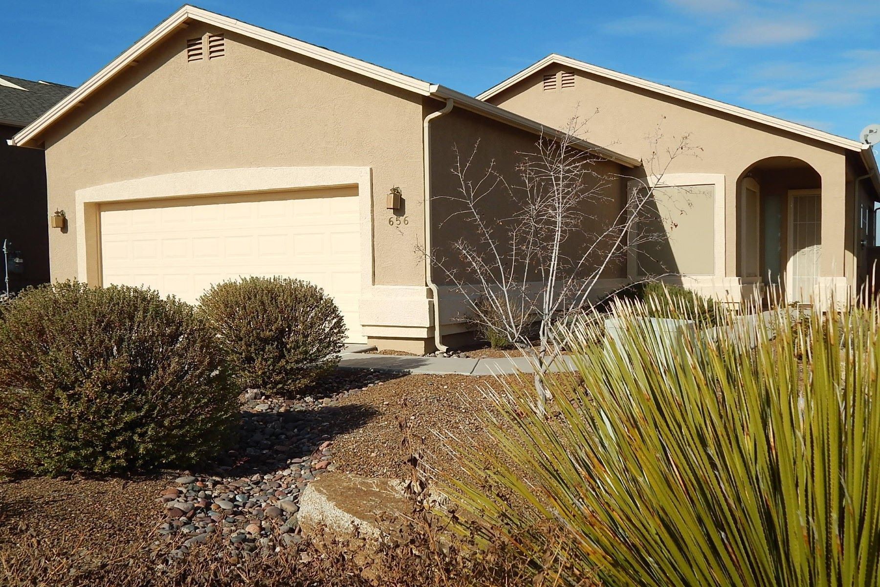 Single Family Homes 为 销售 在 Lovely Single Level Home In The Heart of Camp Verde 656 W Saddle Creek Drive Camp Verde, 亚利桑那州 86322 美国