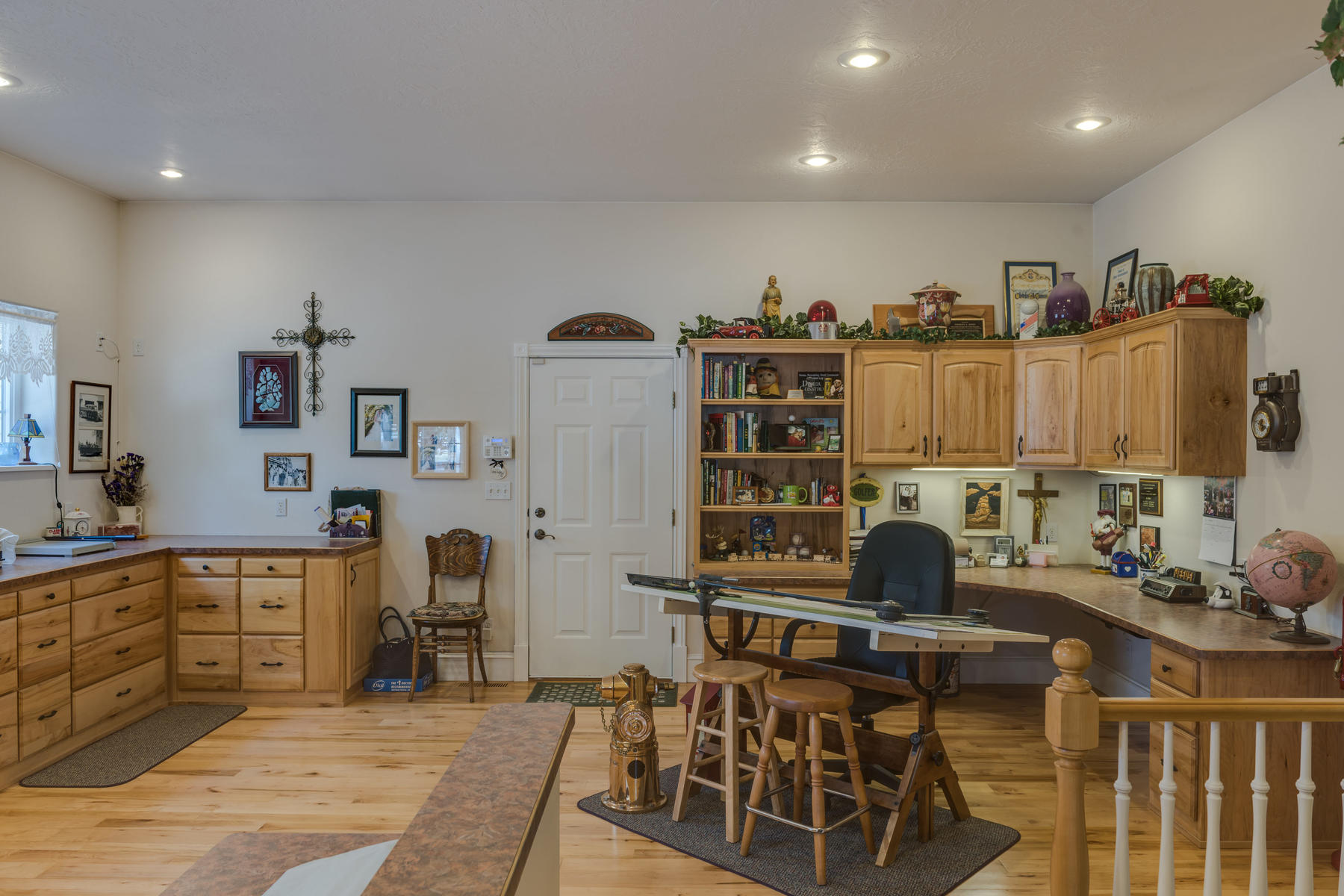 Additional photo for property listing at Fine Country Living 3675 N Driftwood Cedar City, Utah 84721 Estados Unidos