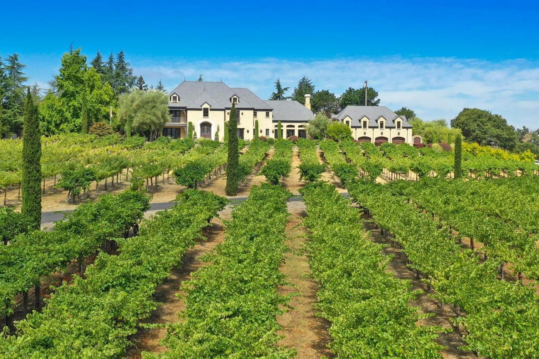Single Family Homes para Venda às Belle Vue Vineyard Estate 1050 Olive Hill Lane, Napa, Califórnia 94558 Estados Unidos