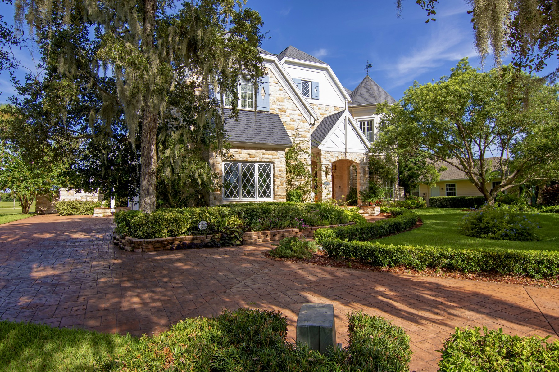 Additional photo for property listing at Exquisite Home With European Charm on Golf Course 3430 Buckinghammock Trail Vero Beach, Florida 32960 United States