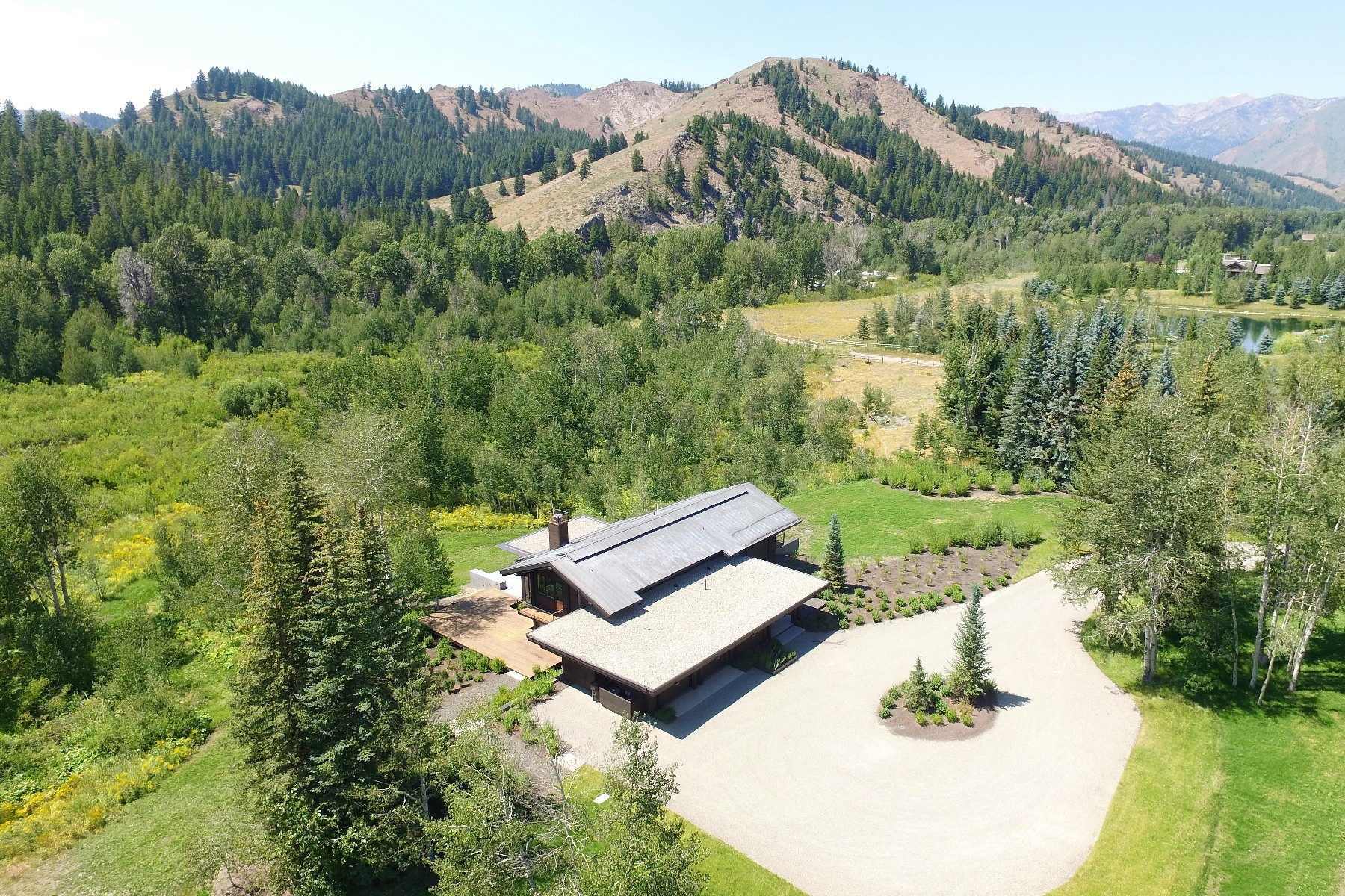 Additional photo for property listing at Reclaimed Contemporary 13402 State Highway 75 Ketchum, Idaho 83340 United States