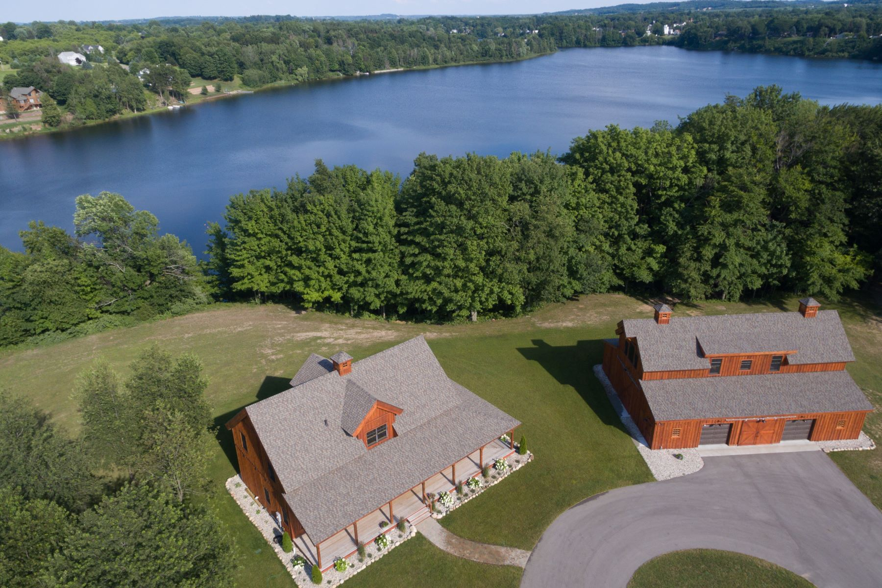 Single Family Home for Sale at Exclusive and Refined Luxury 3648 N 72nd Avenue Hart, Michigan, 49420 United States