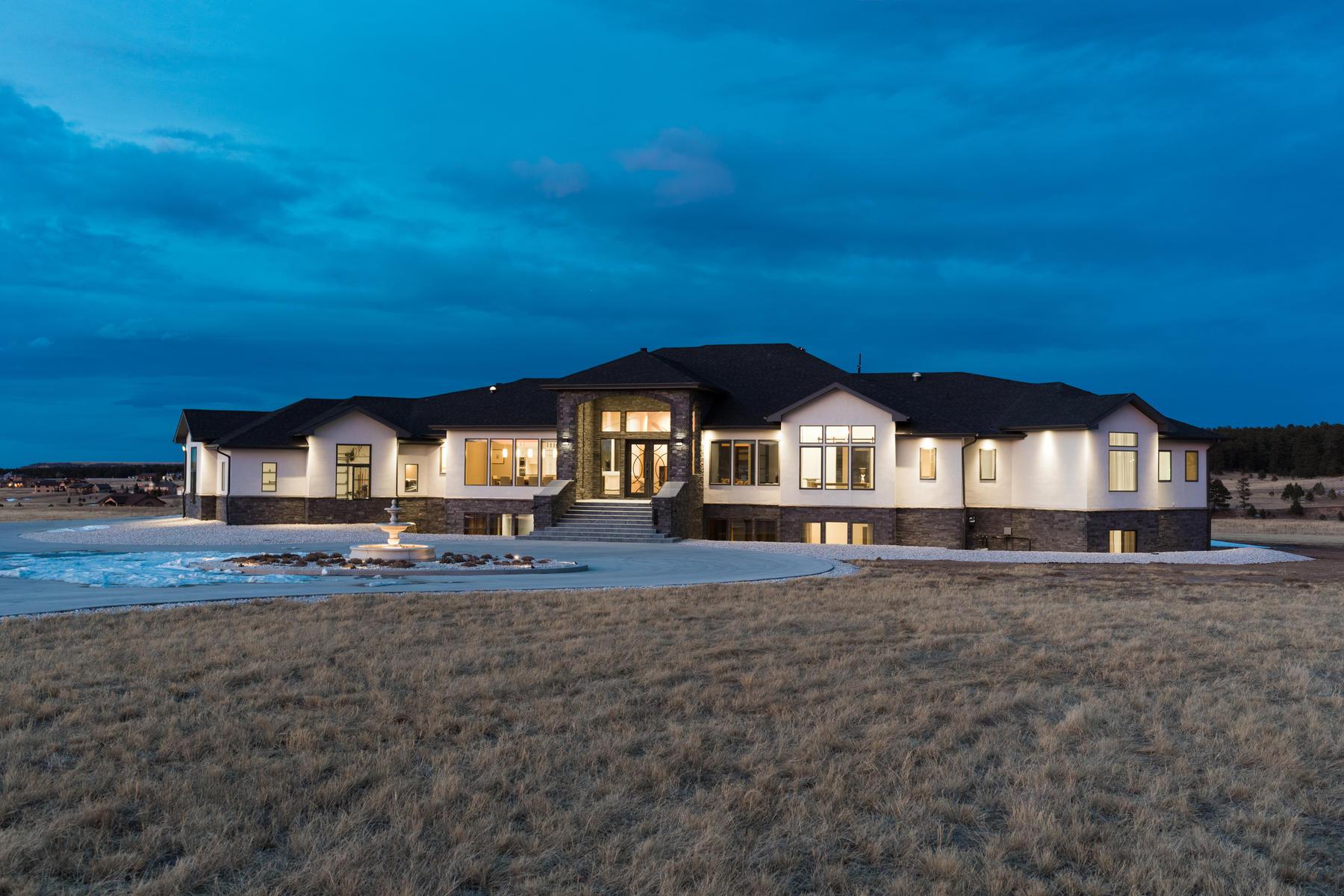 獨棟家庭住宅 為 出售 在 19619 Glen Shadows Dr Colorado Springs, 科羅拉多州, 80908 美國