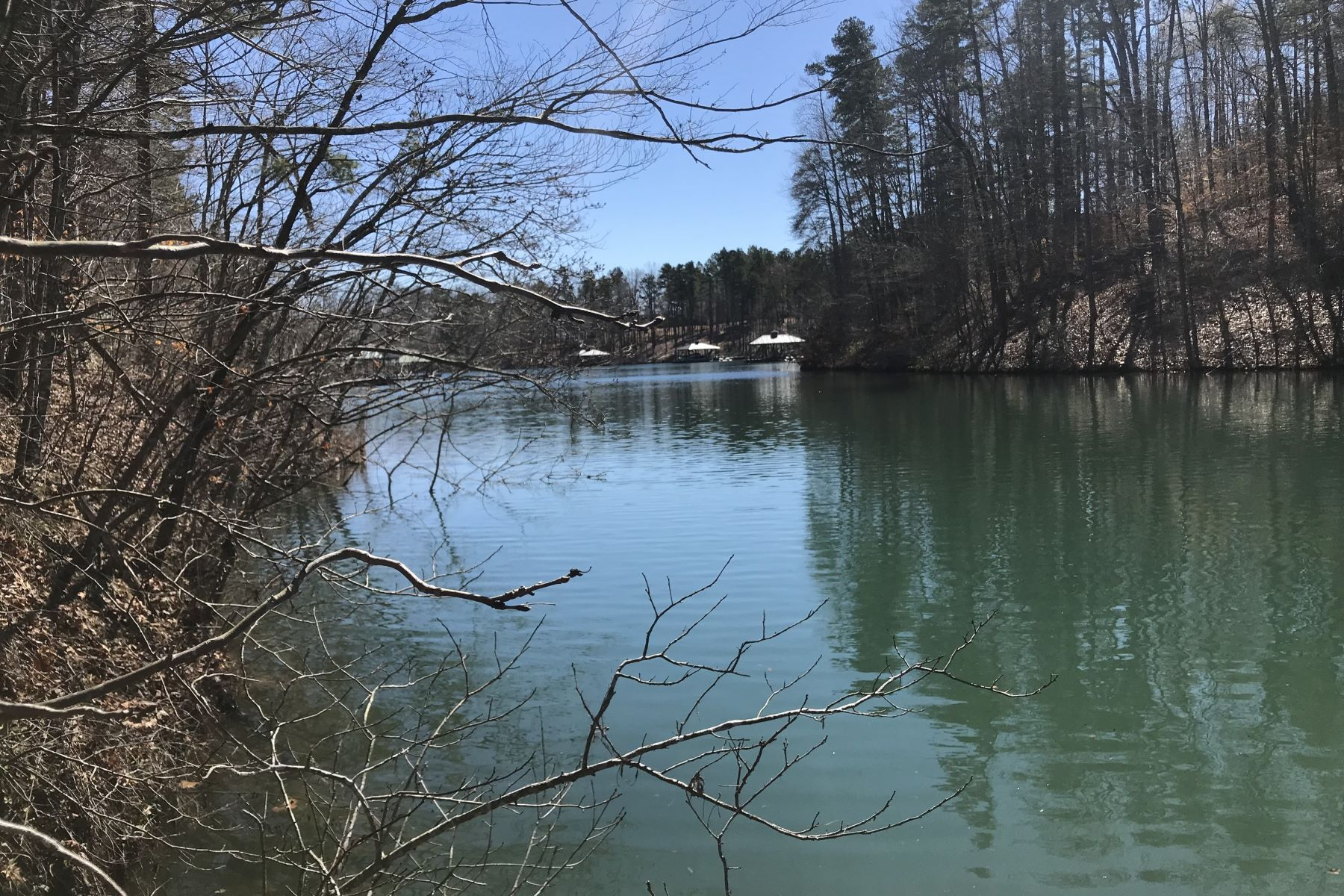 Land for Active at Gently Sloping Lake Keowee Waterfront Lot TL22 Salem, South Carolina 29676 United States