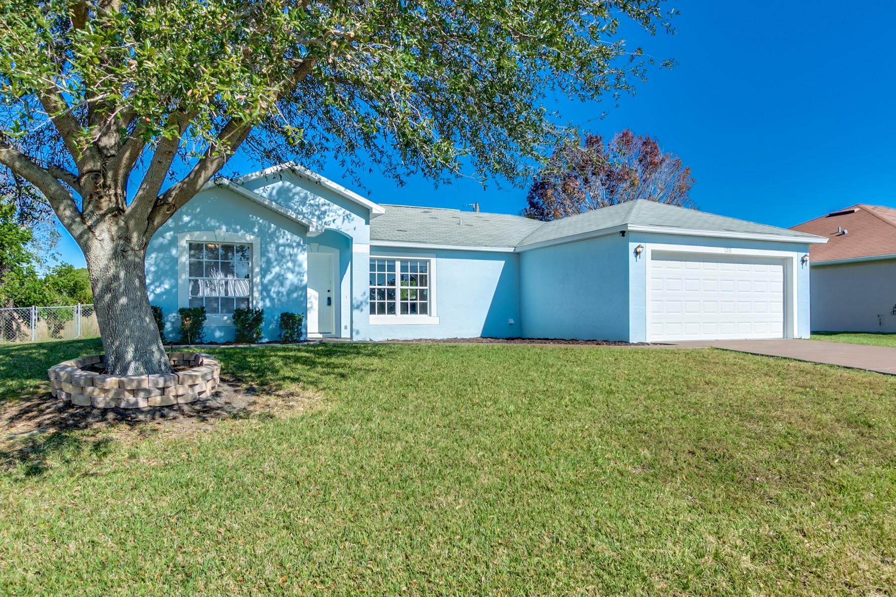 独户住宅 为 销售 在 1211 NW Heberling Street Palm Bay, 佛罗里达州, 32907 美国
