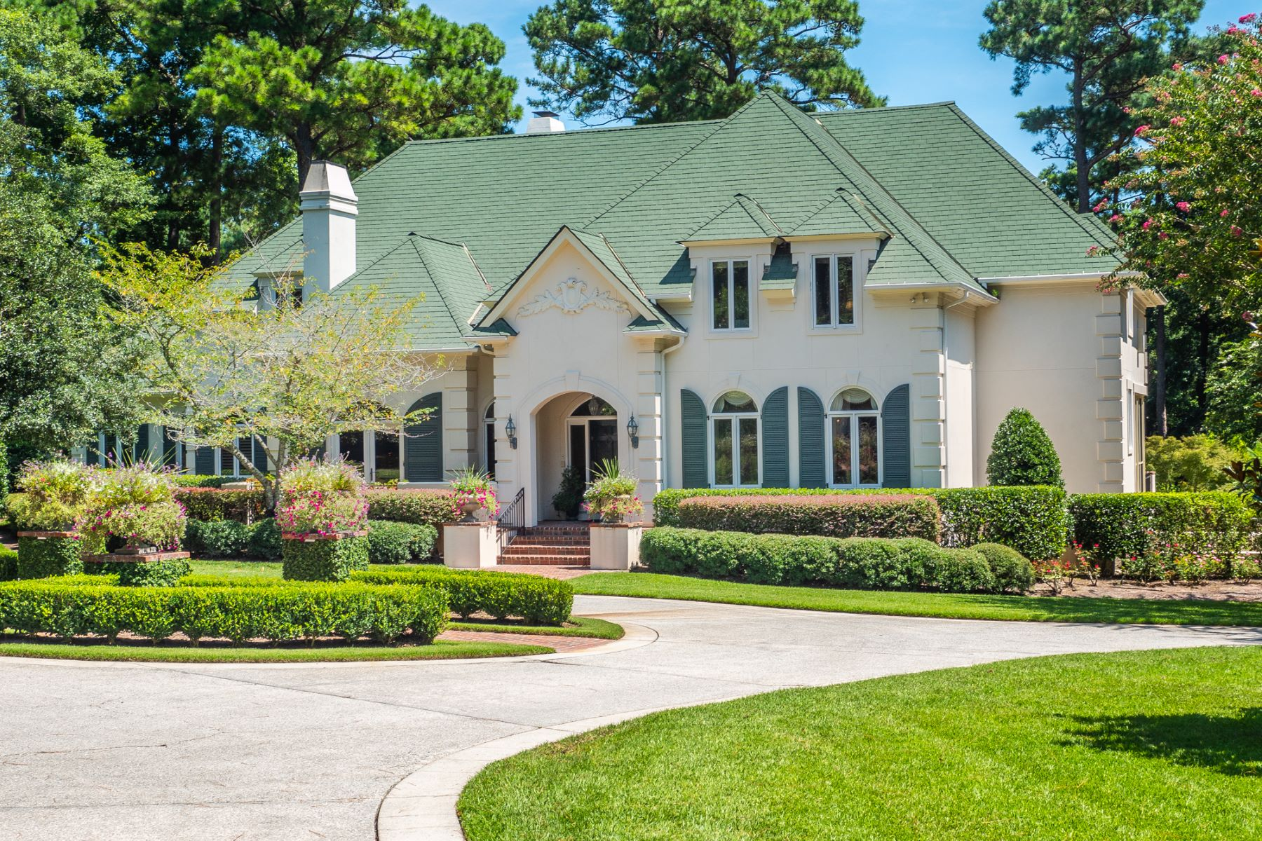 Single Family Homes vì Bán tại Beautiful French Country Estate with Stunning Upgrades 2044 Montrose Lane, Wilmington, Bắc Carolina 28405 Hoa Kỳ