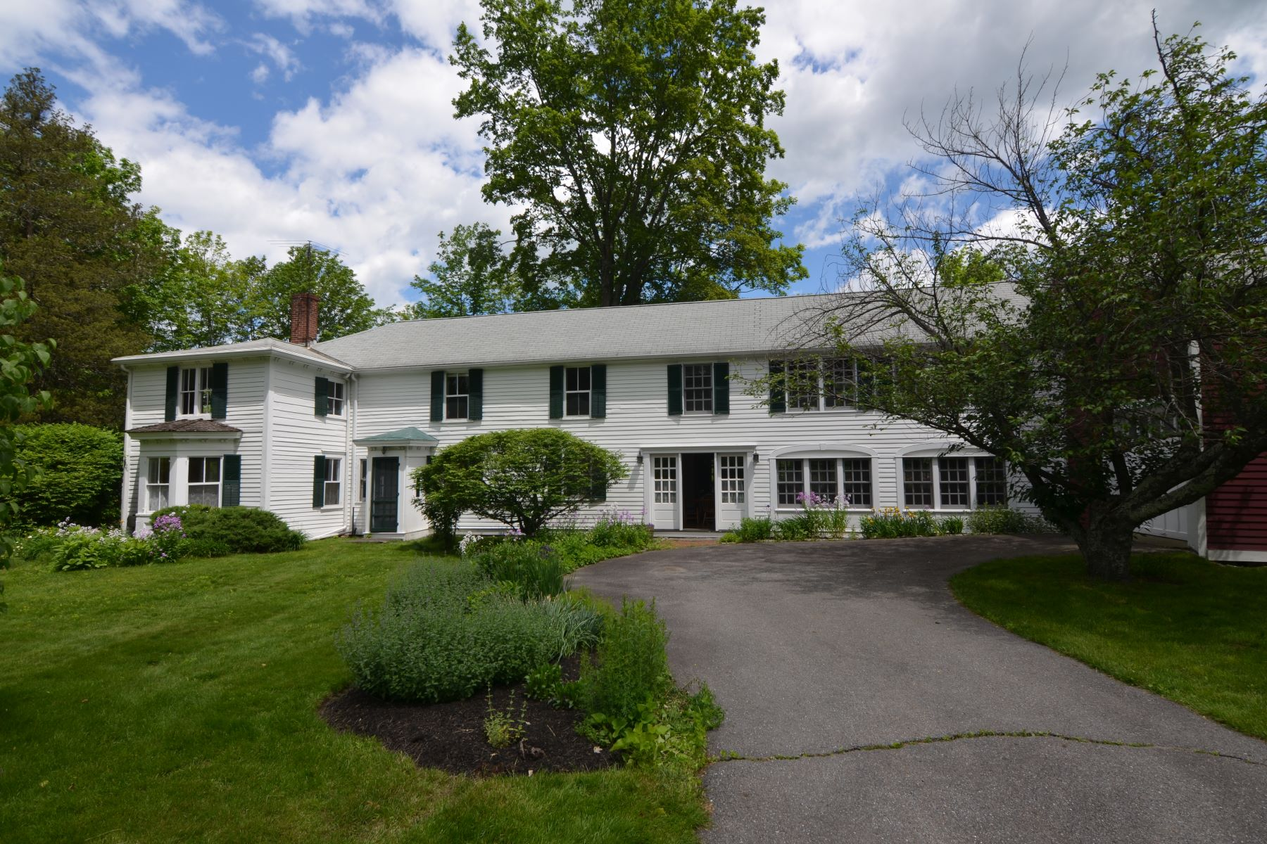 Single Family Home for Sale at Classic New England Antique 145 Center Street, Shirley, Massachusetts, 01464 United States