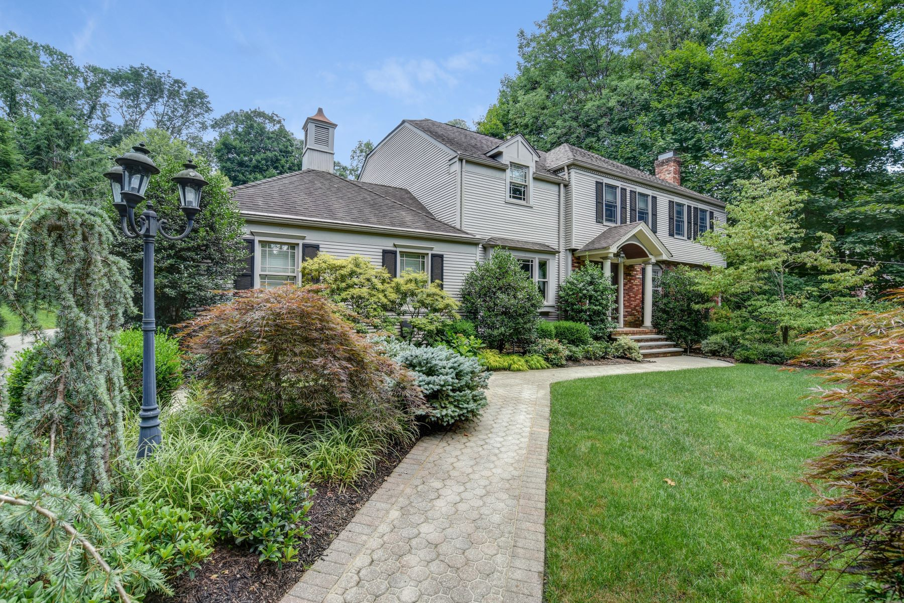 Single Family Homes for Sale at Sophisticated Colonial 7 Easley Terrace Morris Township, New Jersey 07960 United States