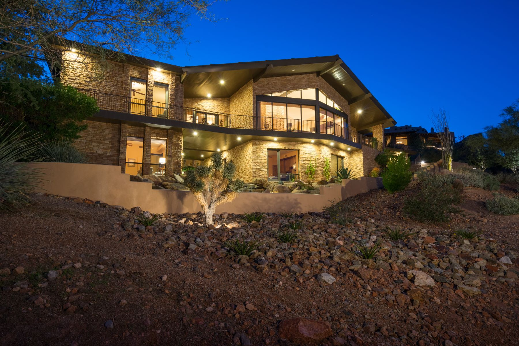 Single Family Home for Sale at Soft contemporary home with endless views 9336 N Lava Bluff Trl Fountain Hills, Arizona, 85268 United States