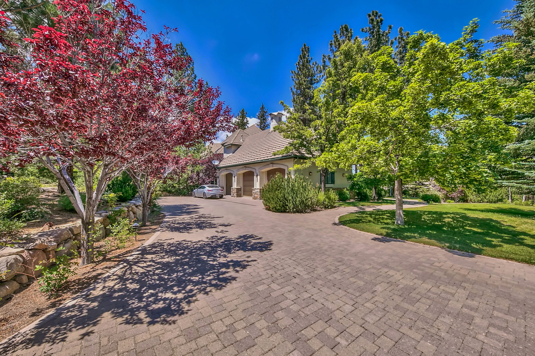 Additional photo for property listing at 5695 Lausanne Drive, Reno Nevada 5695 Lausanne Drive Reno, Nevada 89511 United States