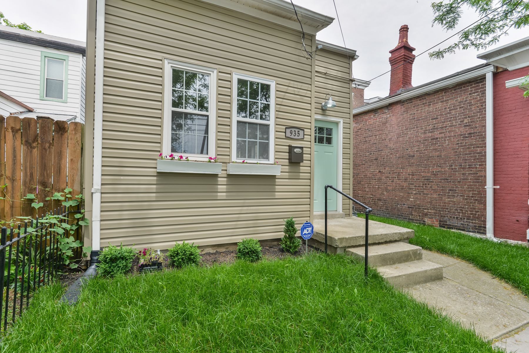 Additional photo for property listing at 935 E Liberty Street  Louisville, Kentucky 40204 United States