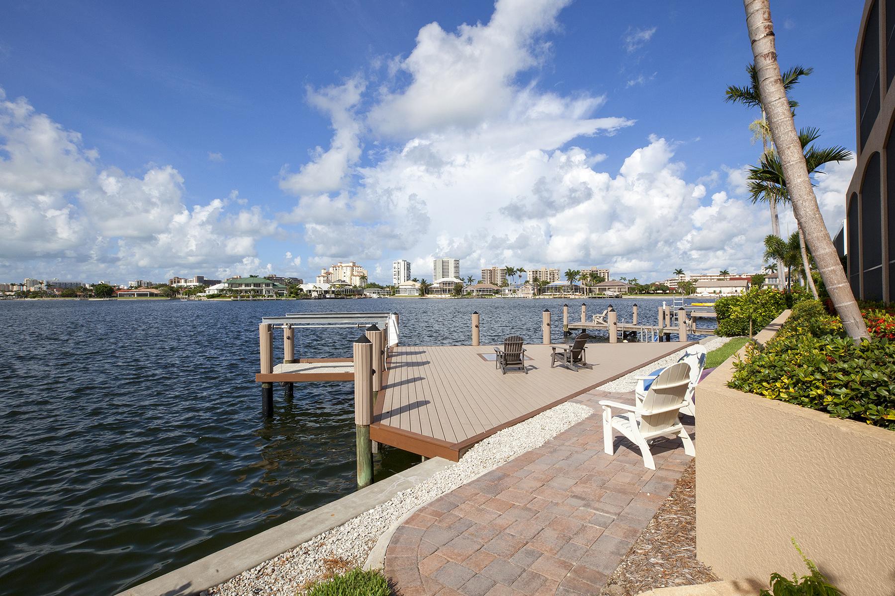 獨棟家庭住宅 為 出售 在 MARCO ISLAND 929 San Marco Rd Marco Island, 佛羅里達州 34146 美國