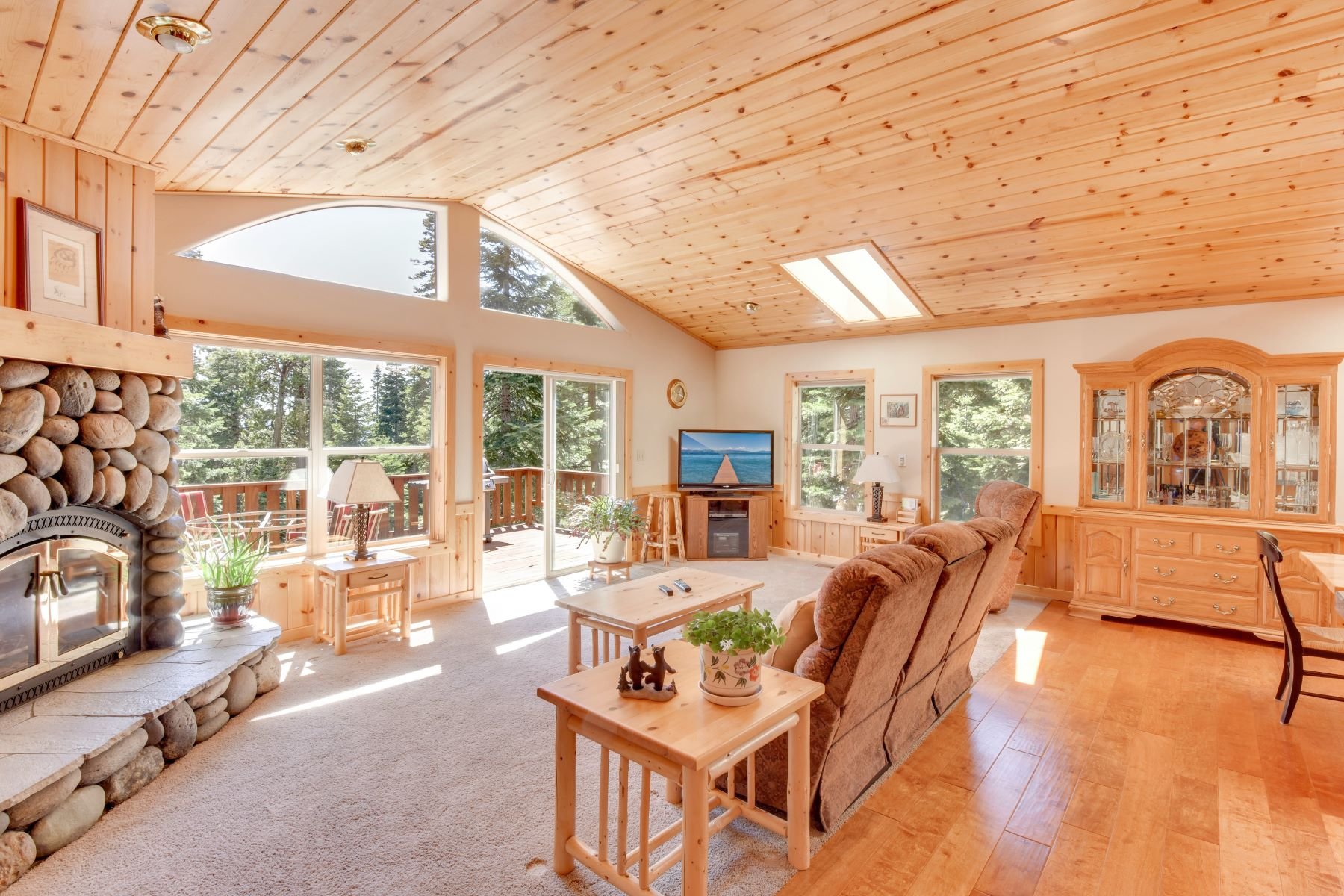 Single Family Home for Active at 267 Laurel Drive, Tahoe Vista, CA 96148 267 Laurel Drive Tahoe Vista, California 96148 United States