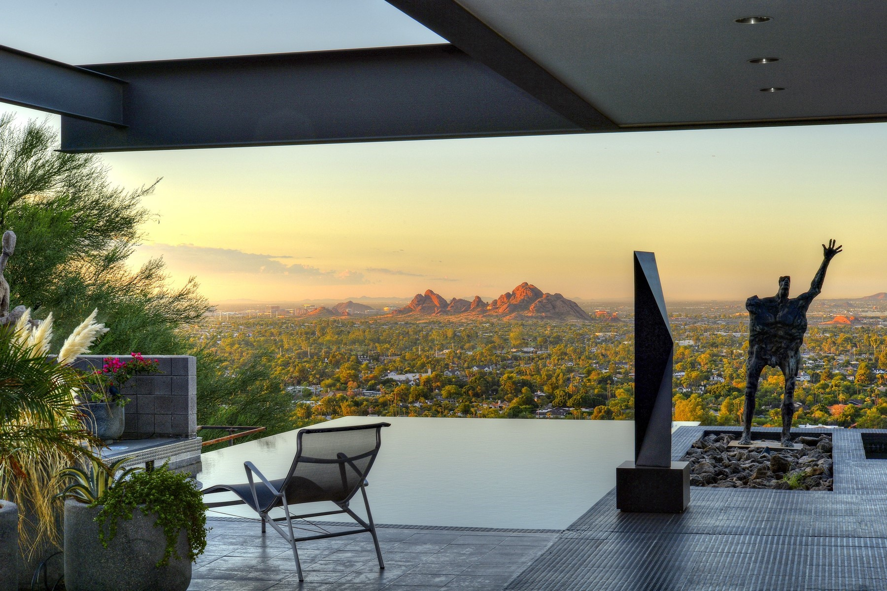 Single Family Homes for Sale at Copeland Hill 2 5402 E VALLE VISTA RD Phoenix, Arizona 85018 United States